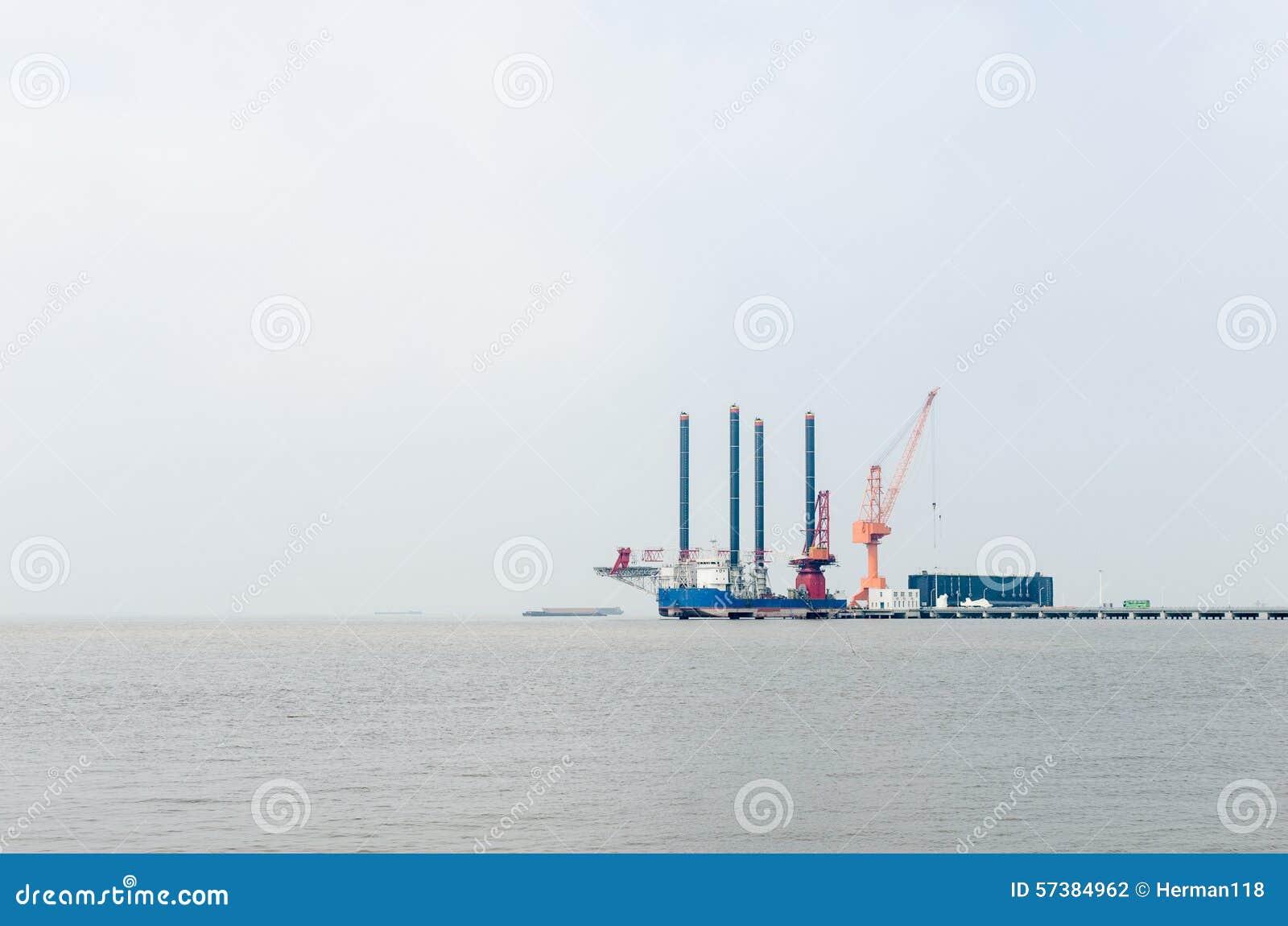 Werkend platform op de Yangtze-Rivier
