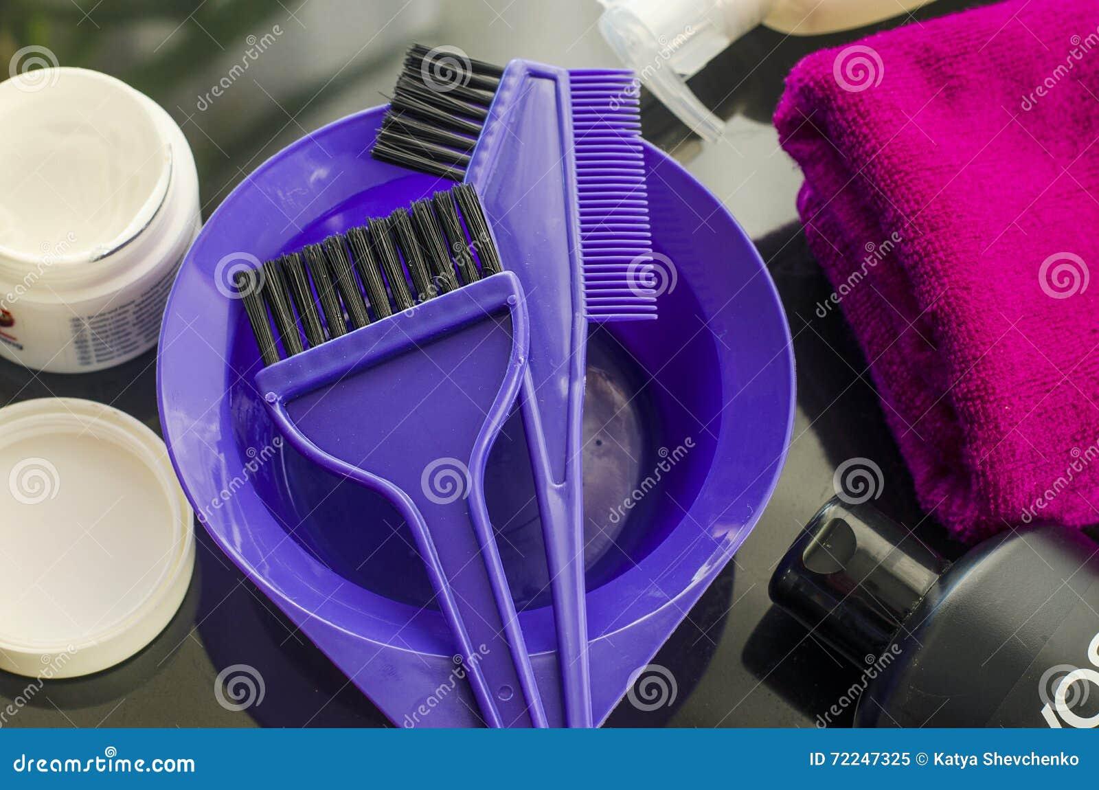 Werkzeuge für das Malen des Haares
