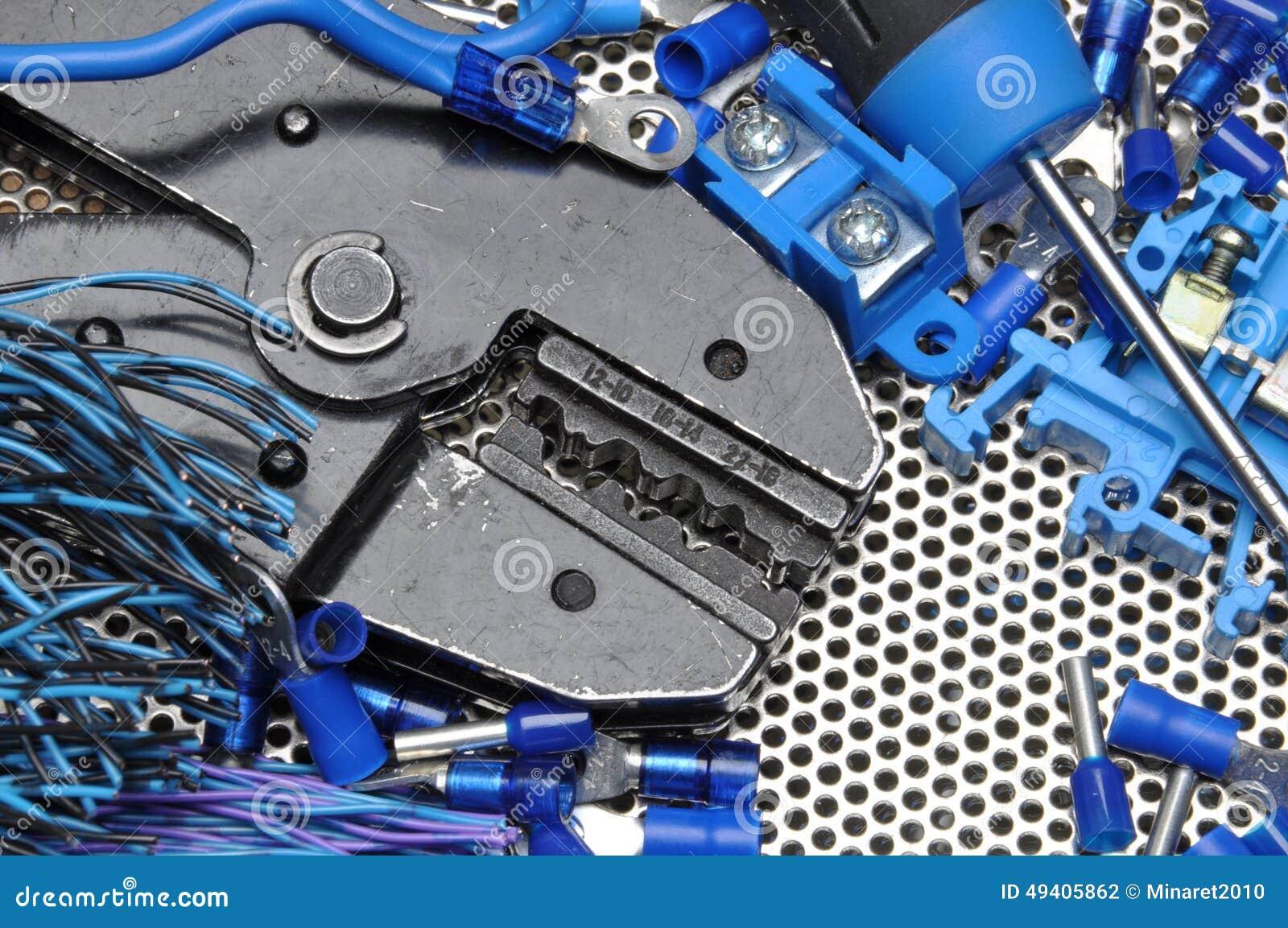 Download Werkzeuge für Elektriker stockfoto. Bild von industrie - 49405862