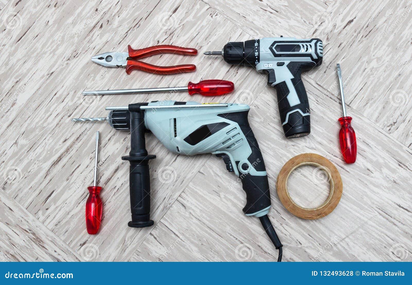 Werkzeuge für Reparatur, Schraubenzieher, elektrische Bohrmaschine, Galvanoschraubenzieher,