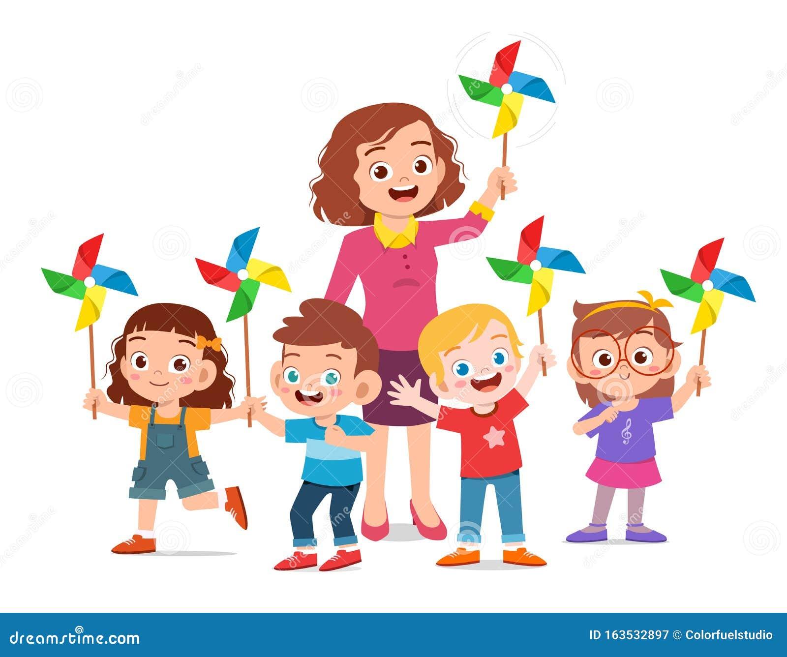 Wesołe słodkie dzieci i nauczyciel trzymający zabawkę