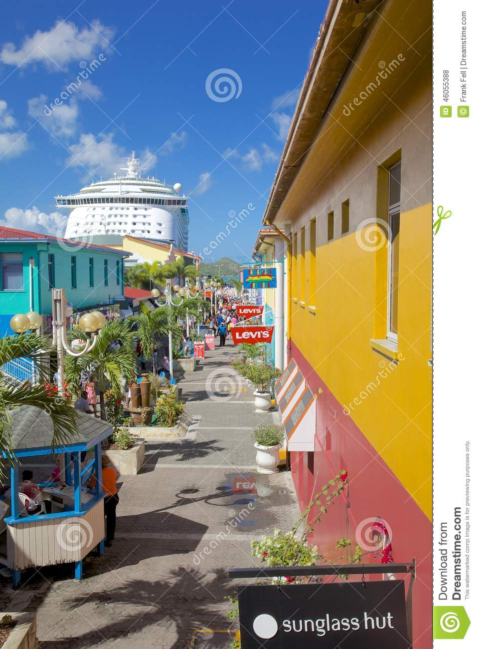 West Indies, Caribbean, Antigua, St Johns, Heritage Quay & Cruise Ship in Port