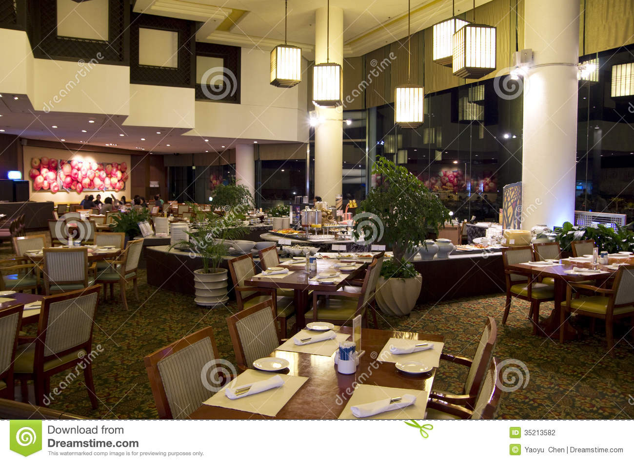 Western buffet restaurant dinner at hotel editorial for Very luxury hotels