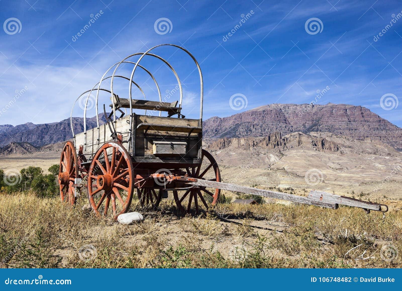Western Covered Wood Wagon Mountains Stock Photo Image Of Badlands Landscape 106748482
