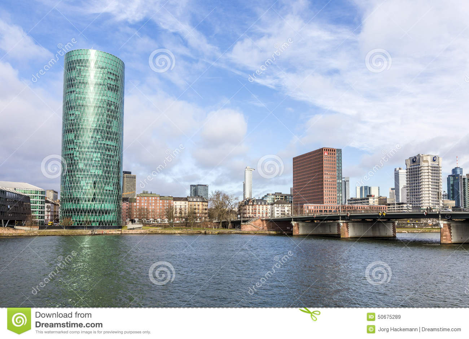 Download Westhafen塔在港口区域在河主要的法兰克福 编辑类库存图片. 图片 包括有 办公室, 都市风景, 蓝色 - 50675289