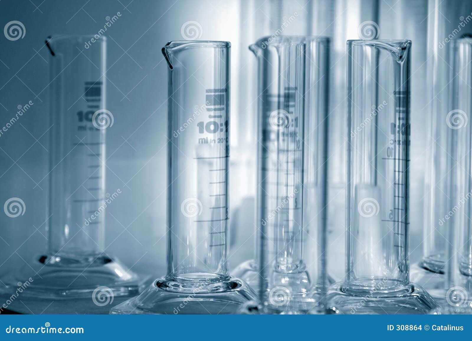 Wetenschap - gediplomeerde cilinders 1