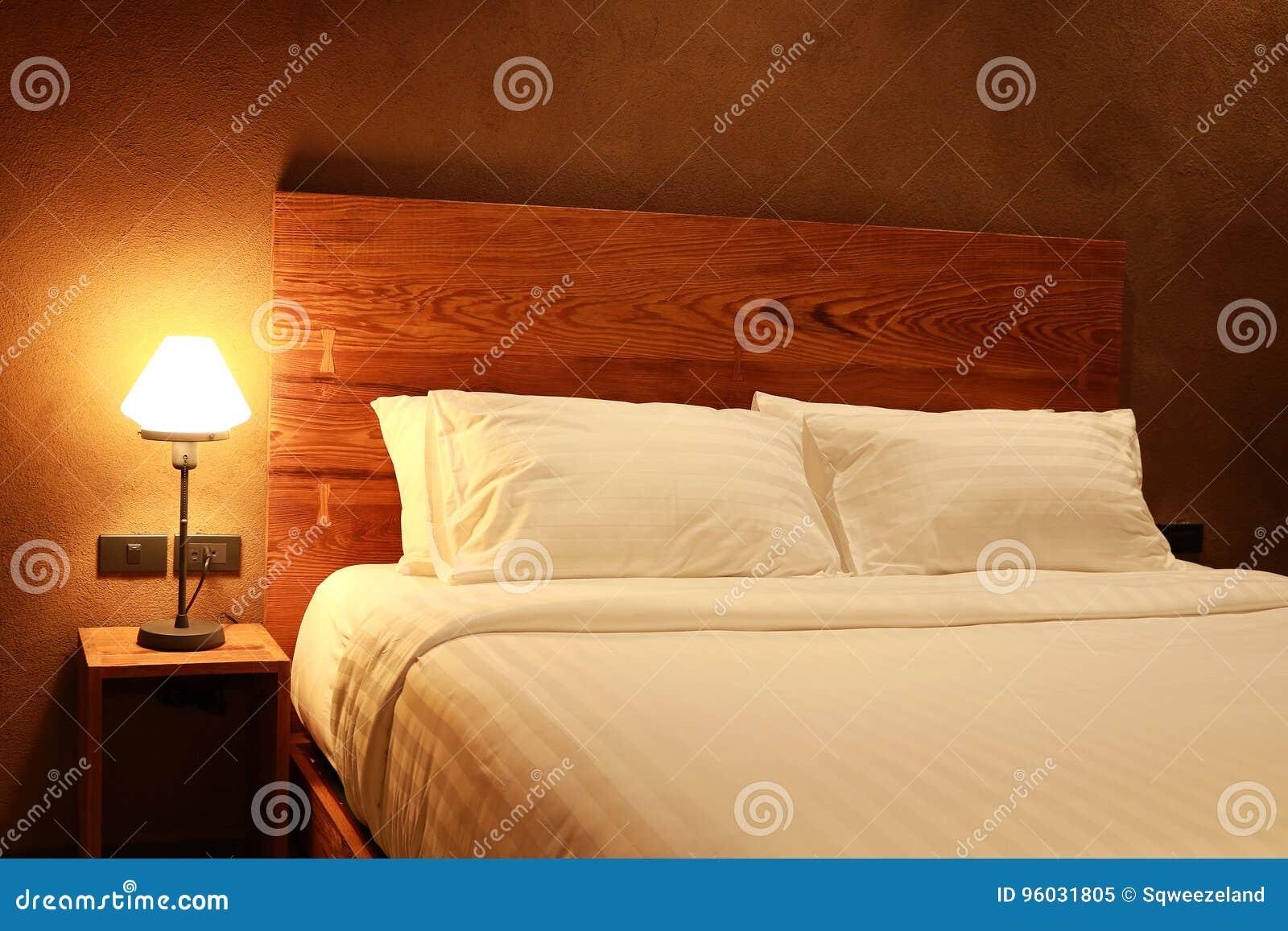 Wewnętrzna nowożytna sypialnia
