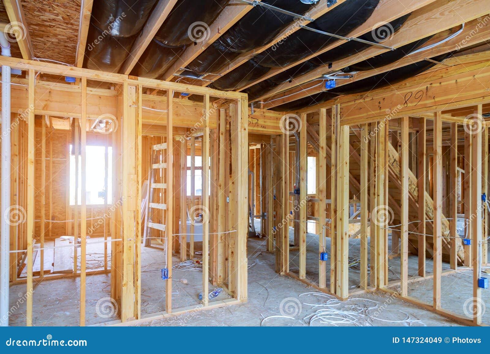 Wewnętrzny kij budował ramę nowy dom w budowie