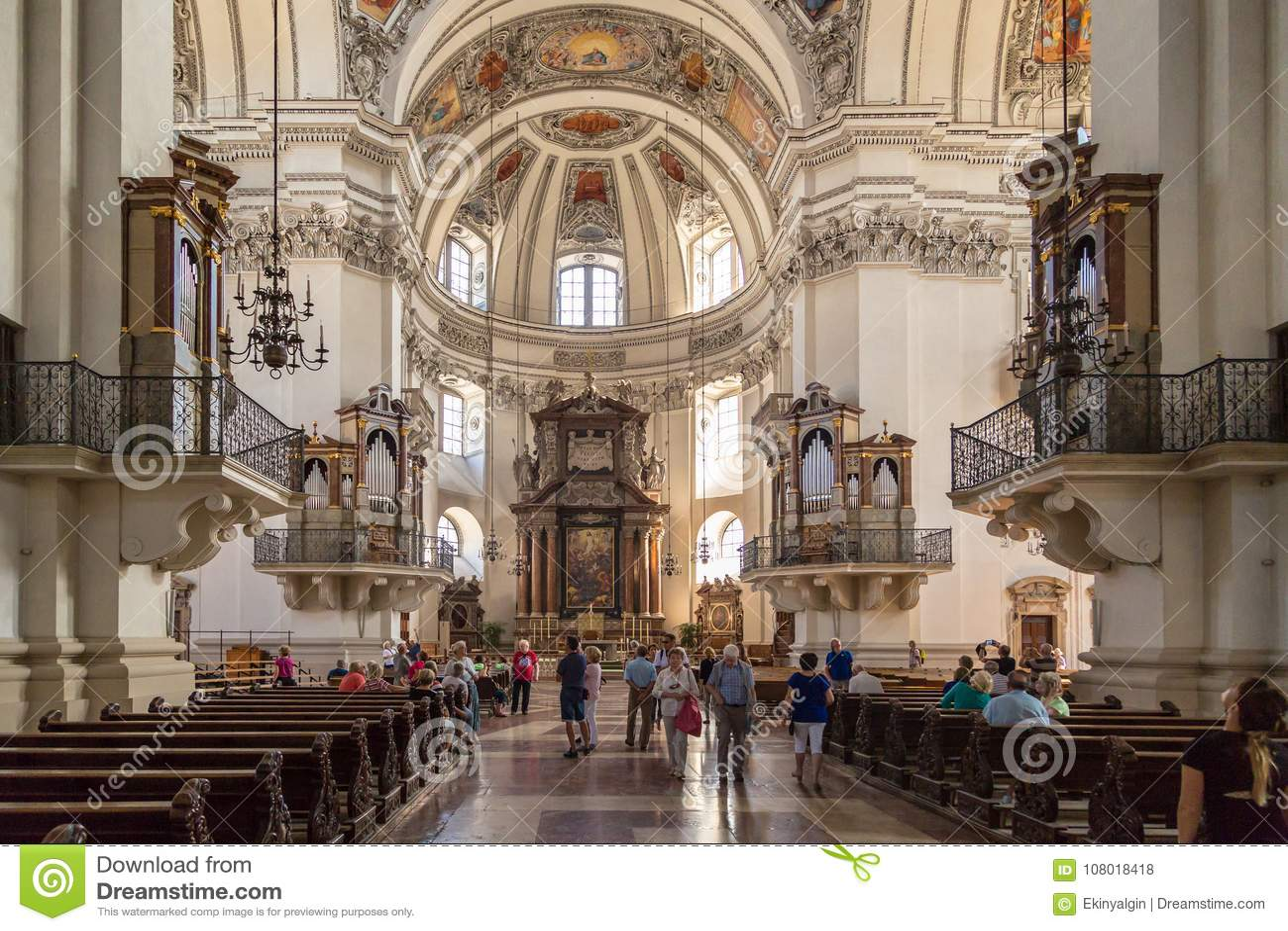 Wewnętrzny kopuła widok Salzburg katedra