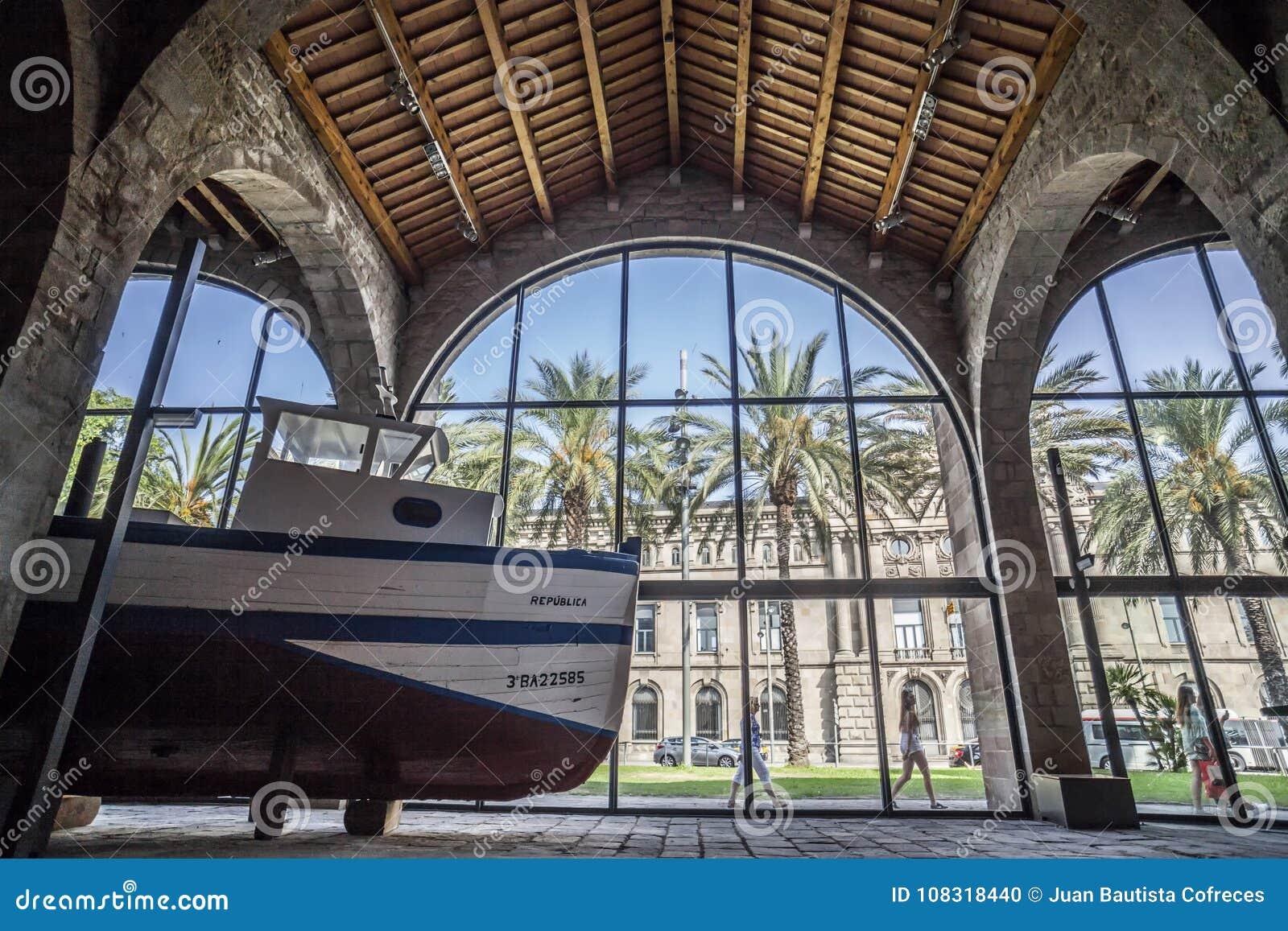 Wewnętrzny widok Morski muzeum w Barcelona