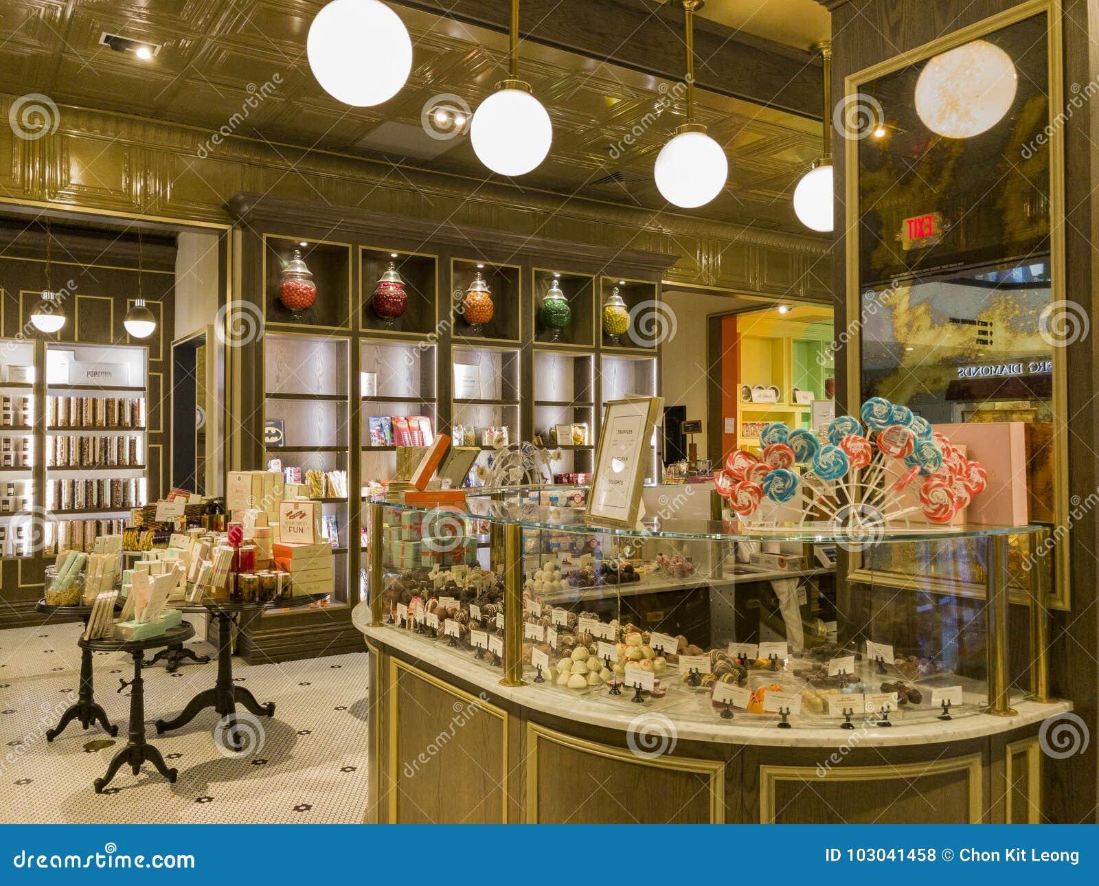 Wewnętrzny widok specjalny cukierku sklep w Glendale Galleria