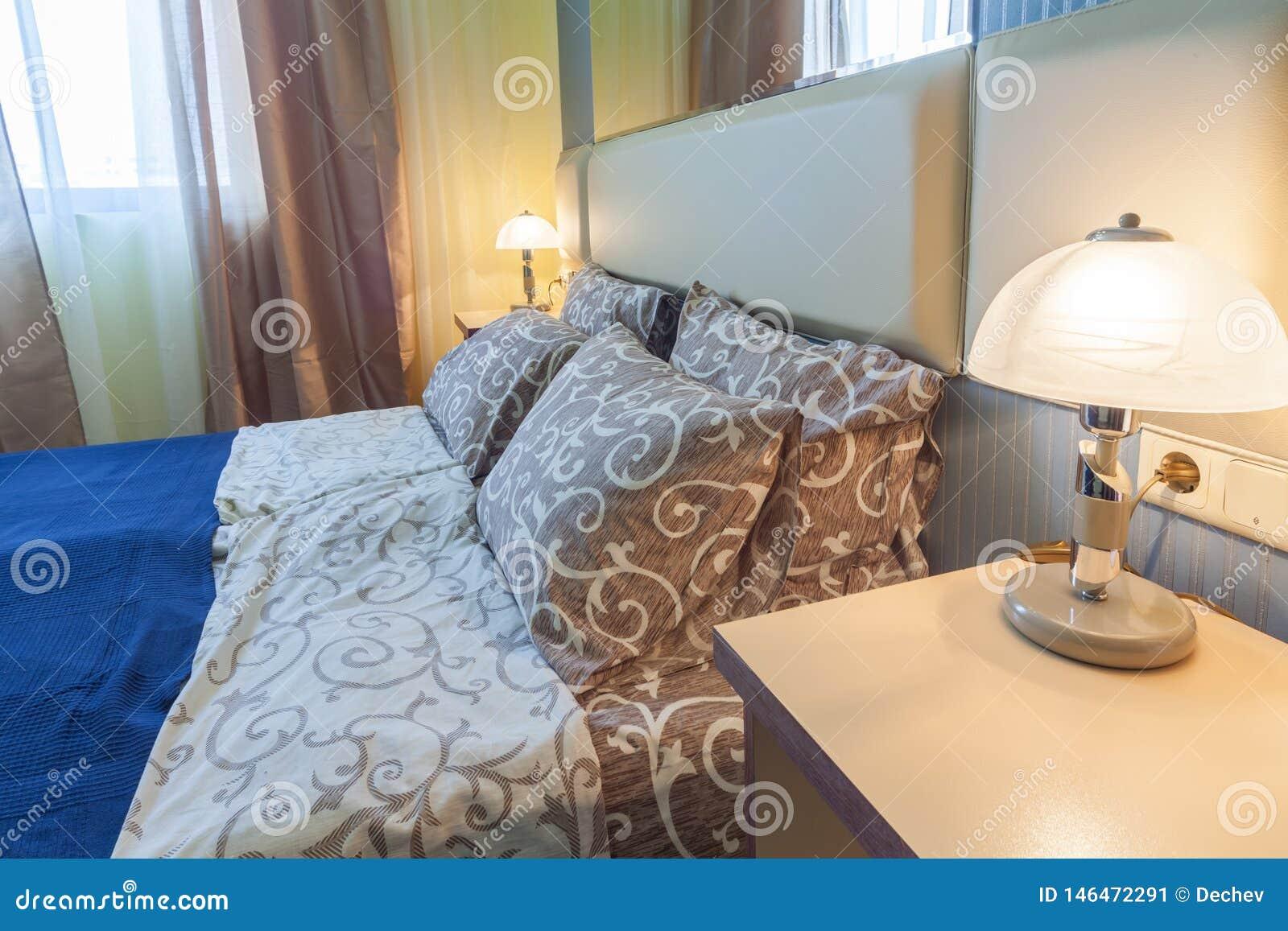 Wewn?trzny projekt Szczegół sypialnia w hotelu