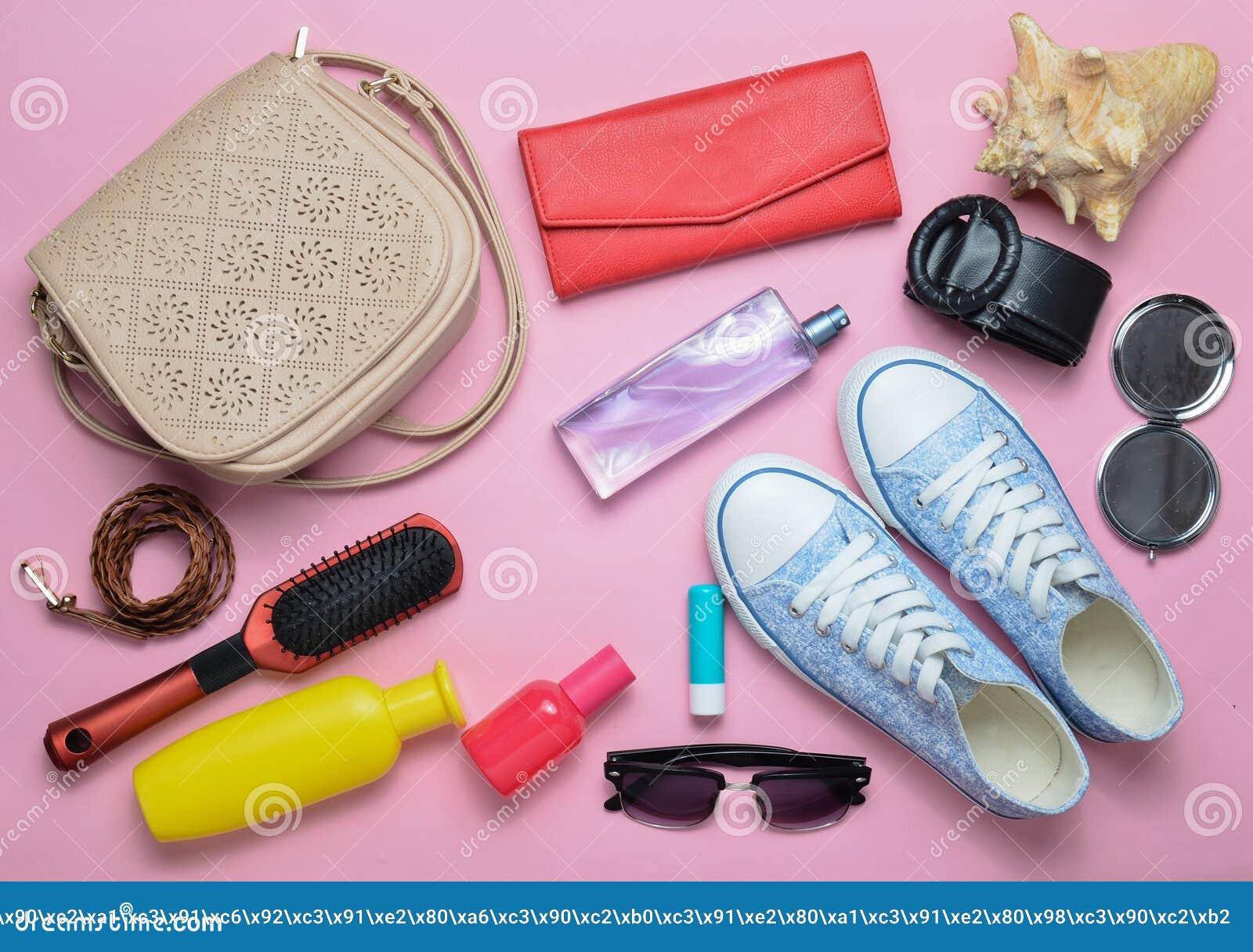 What& x27; s nel women& x27; borsa di s? Andare in viaggio Accessori alla moda Girly di estate e della primavera