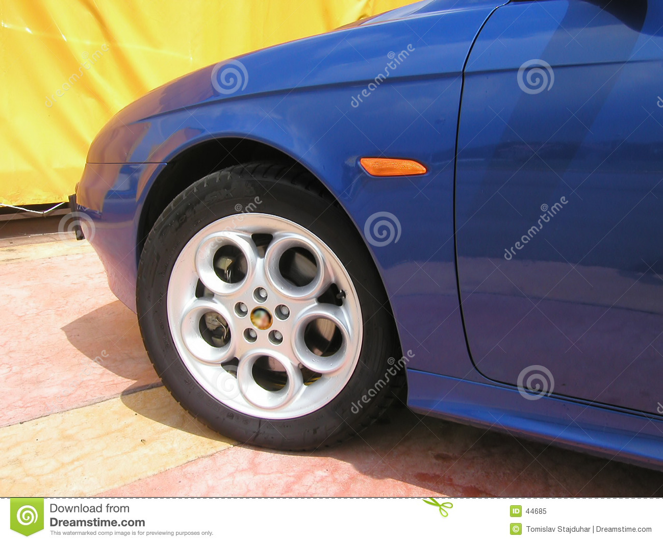 Wheel of Alfa Romeo 156