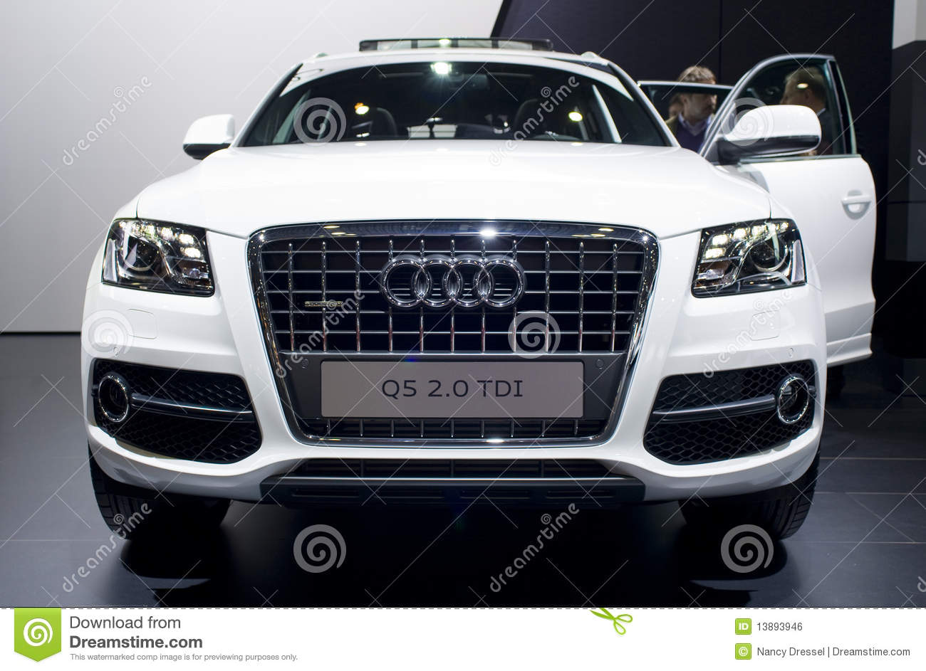 White Audi Q On Car Show Editorial Photo Image Of Events - Audi car q5
