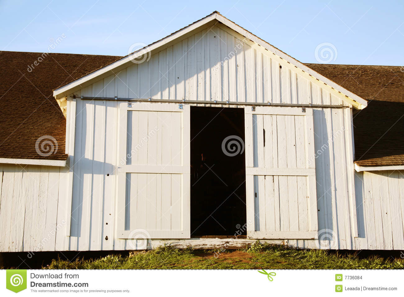 White Barn Doors Stock Images Image 7736084