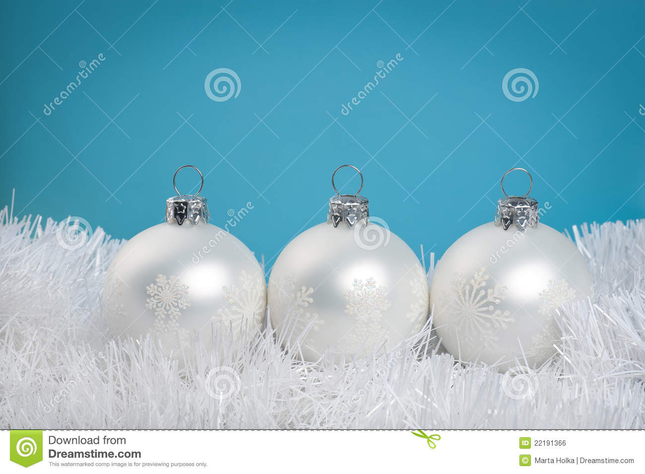 Top 28 white baubles white christmas baubles stock for White christmas baubles