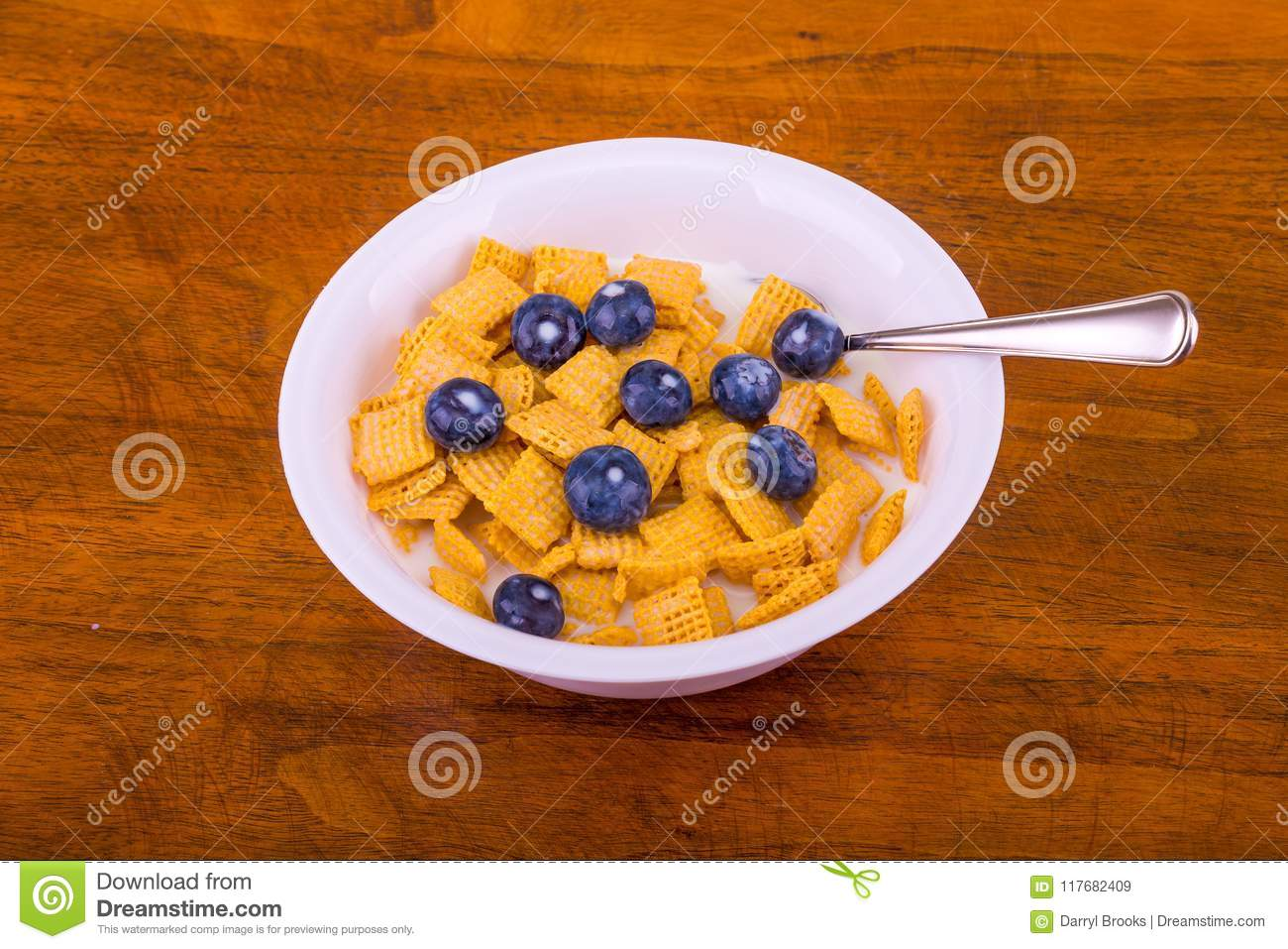 Crunchy Corn Cereal with Blueberries and Milk