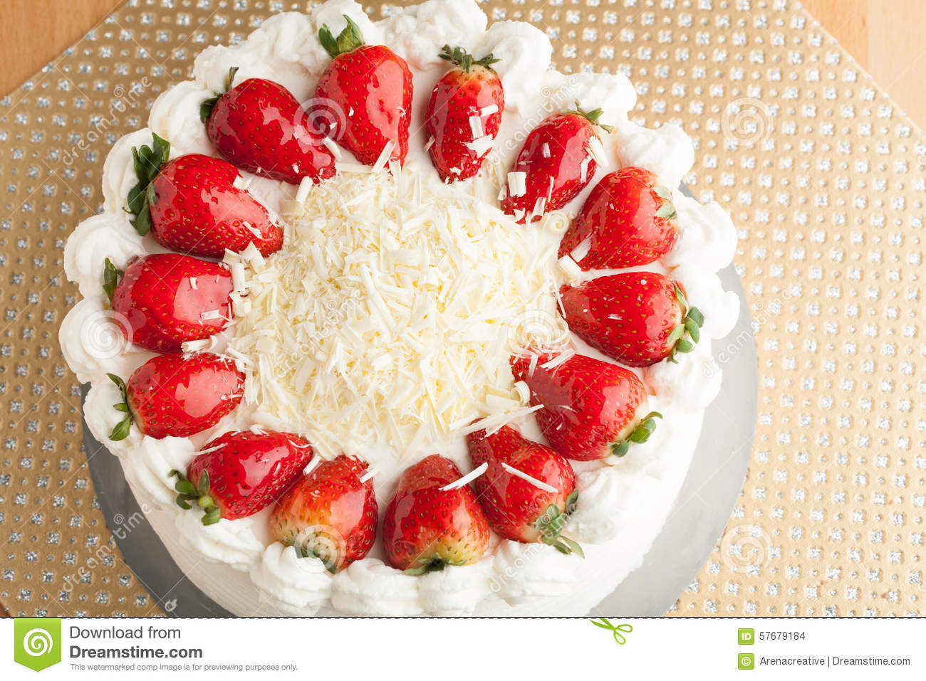 Cake Clipart Top View : White Chocolate Strawberry Cake Stock Photo - Image: 57679184