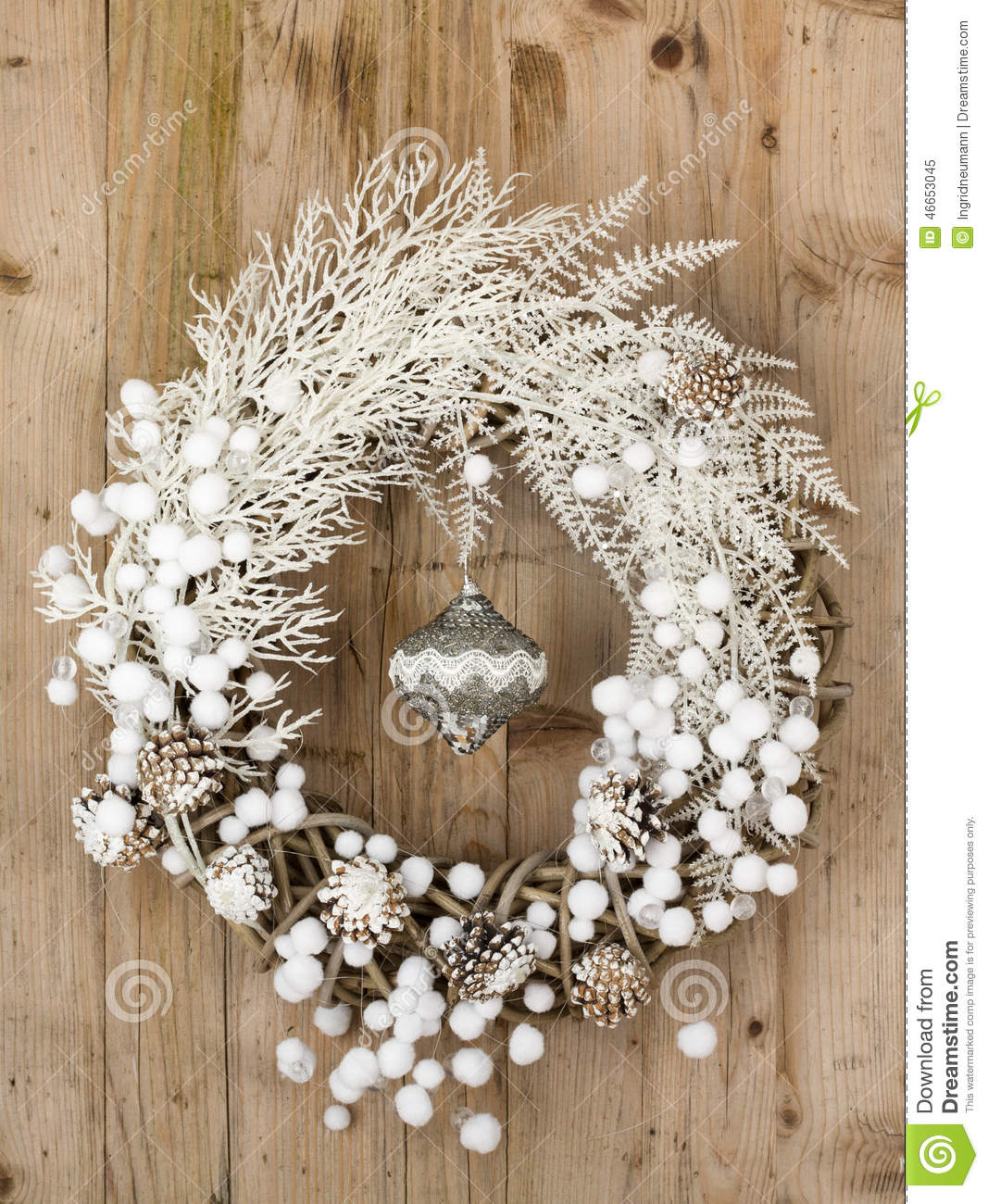 White Christmas Wreath On Brown Wooden Vintage Background Stock ...