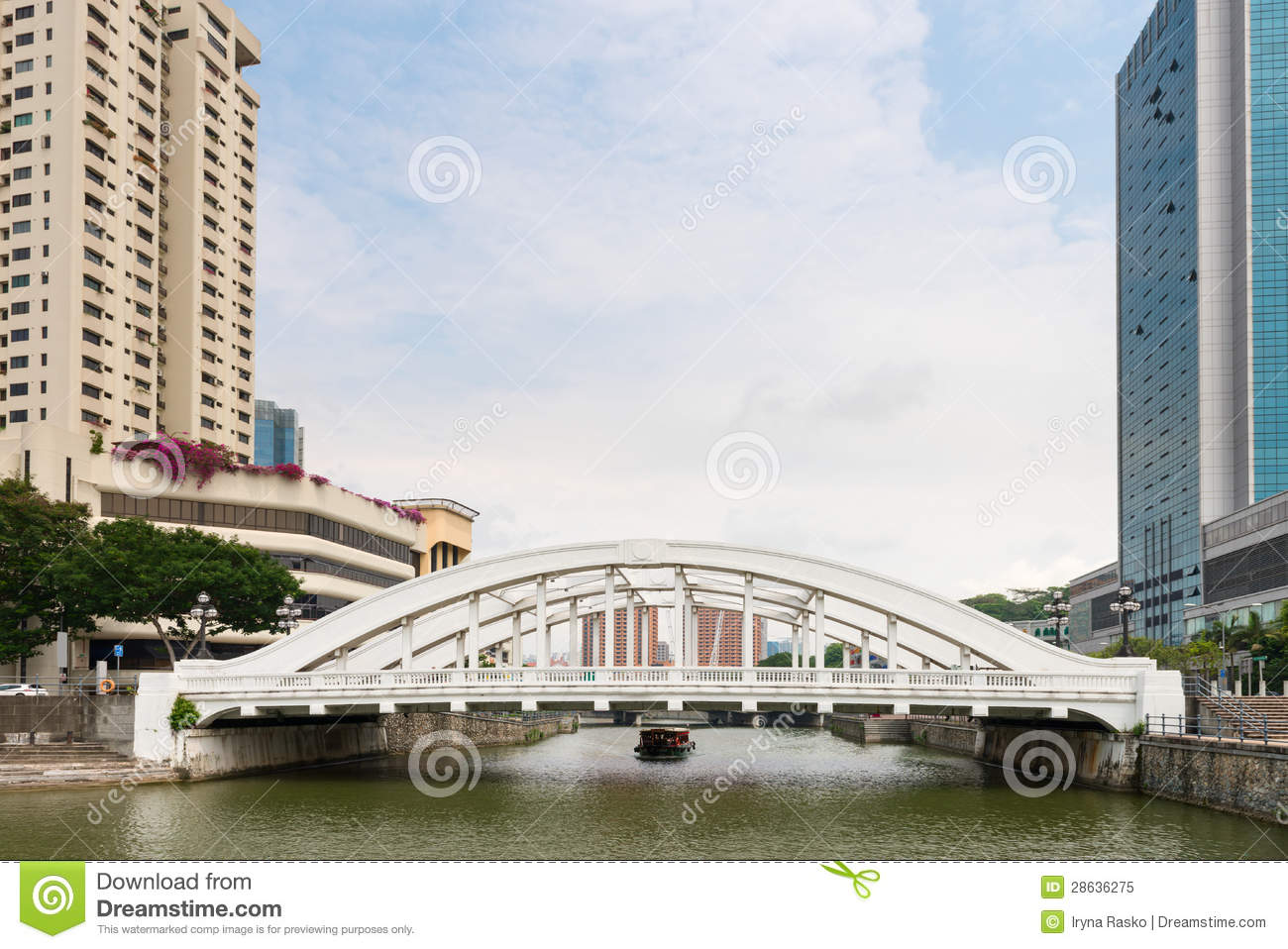 White Elgin Bridge And The Singapore River Stock Image - Image of ...