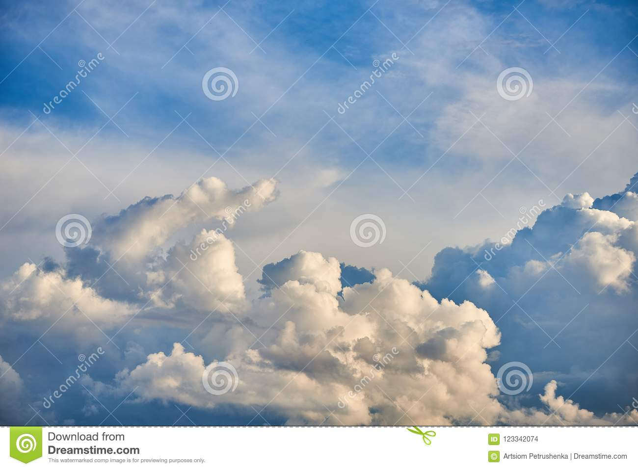 White Feathery, Volumetric Clouds  With The Sun  Stock Photo - Image