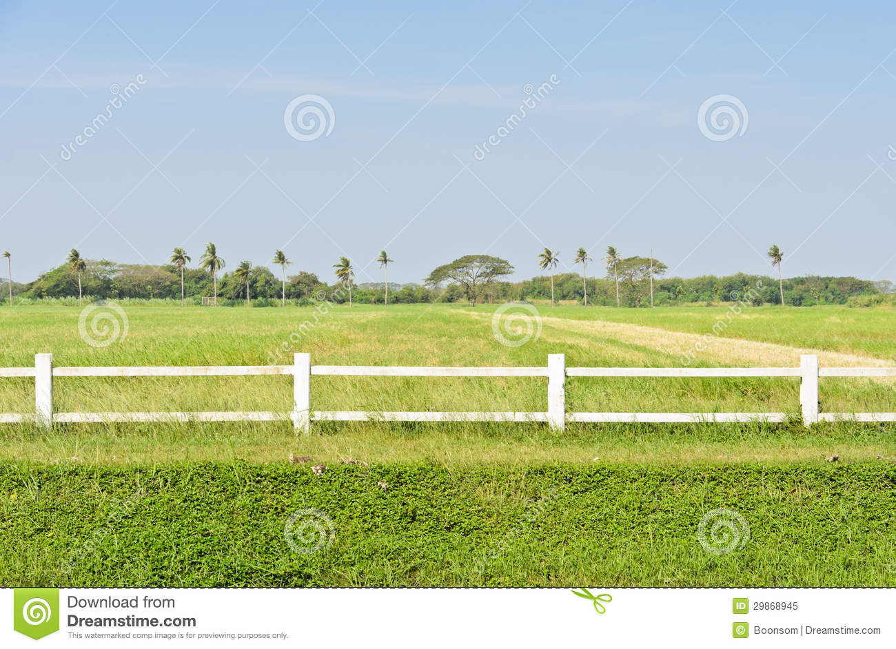 White Fence Royalty Free Stock Photo - Image: 29868945