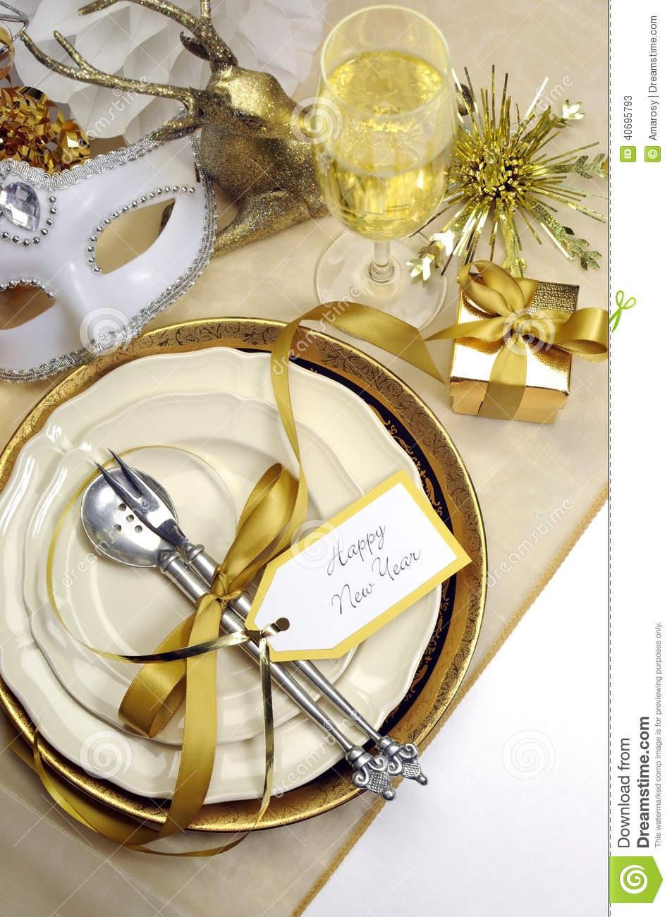 White and gold happy new year elegant fine dining table