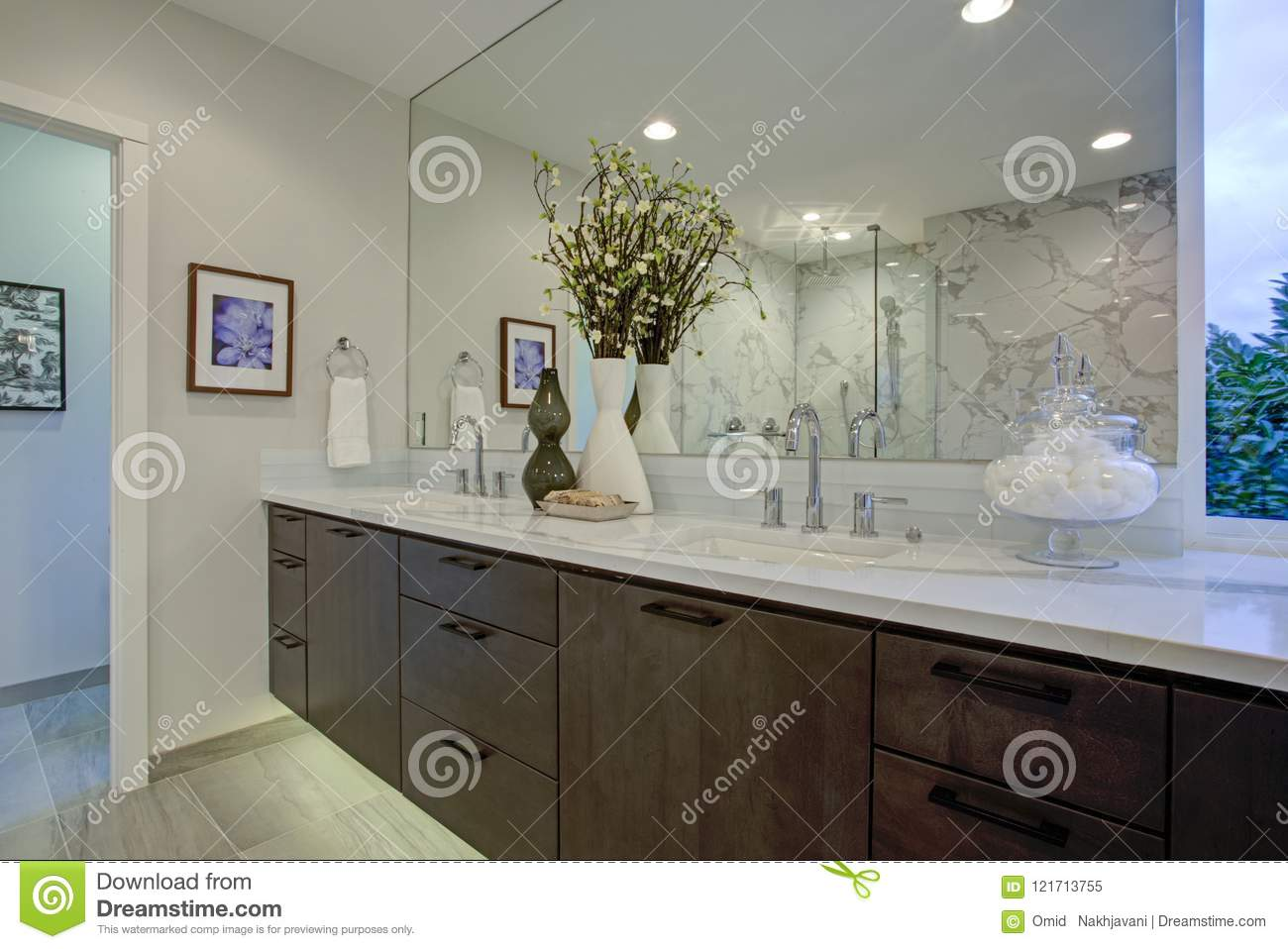 White And Gray Calcutta Marble Bathroom Design Stock Image Image Of Double Floor 121713755