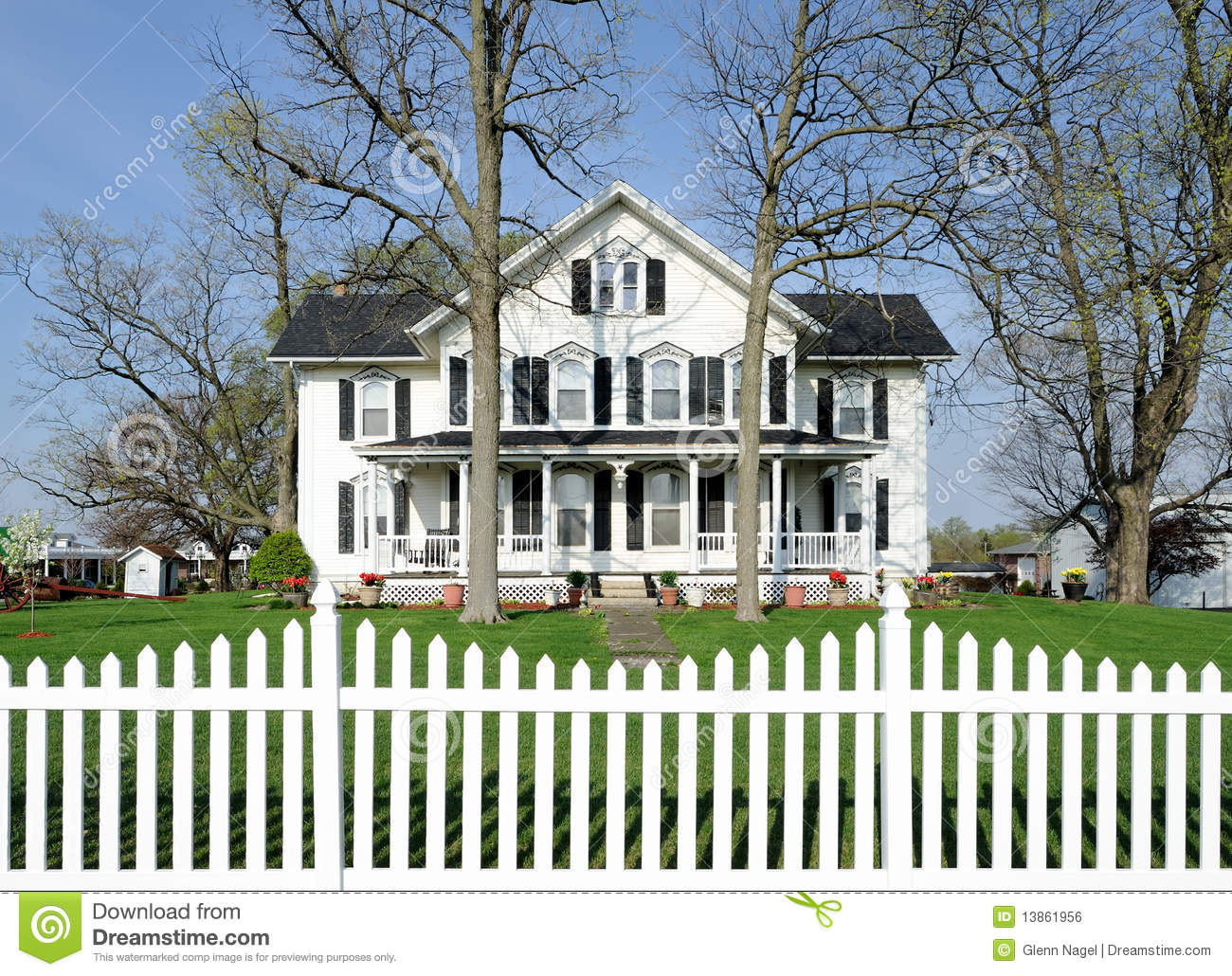 White House With Black Shutters Stock Photo Image Of Outside
