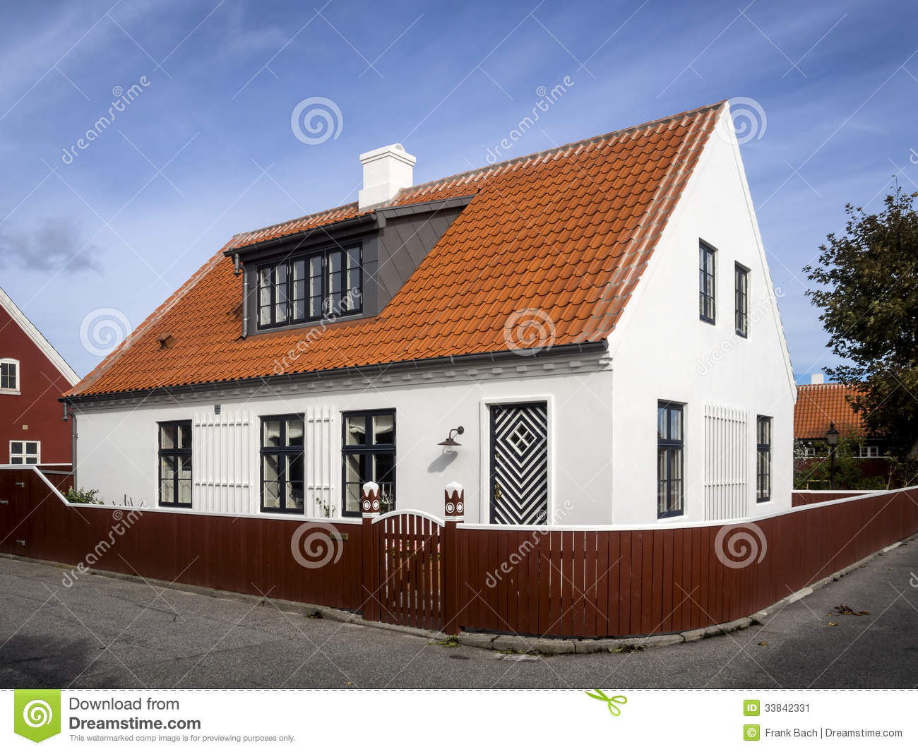 White house in the center of skagen in jutland stock image image 33842331 - The jutland small house ...