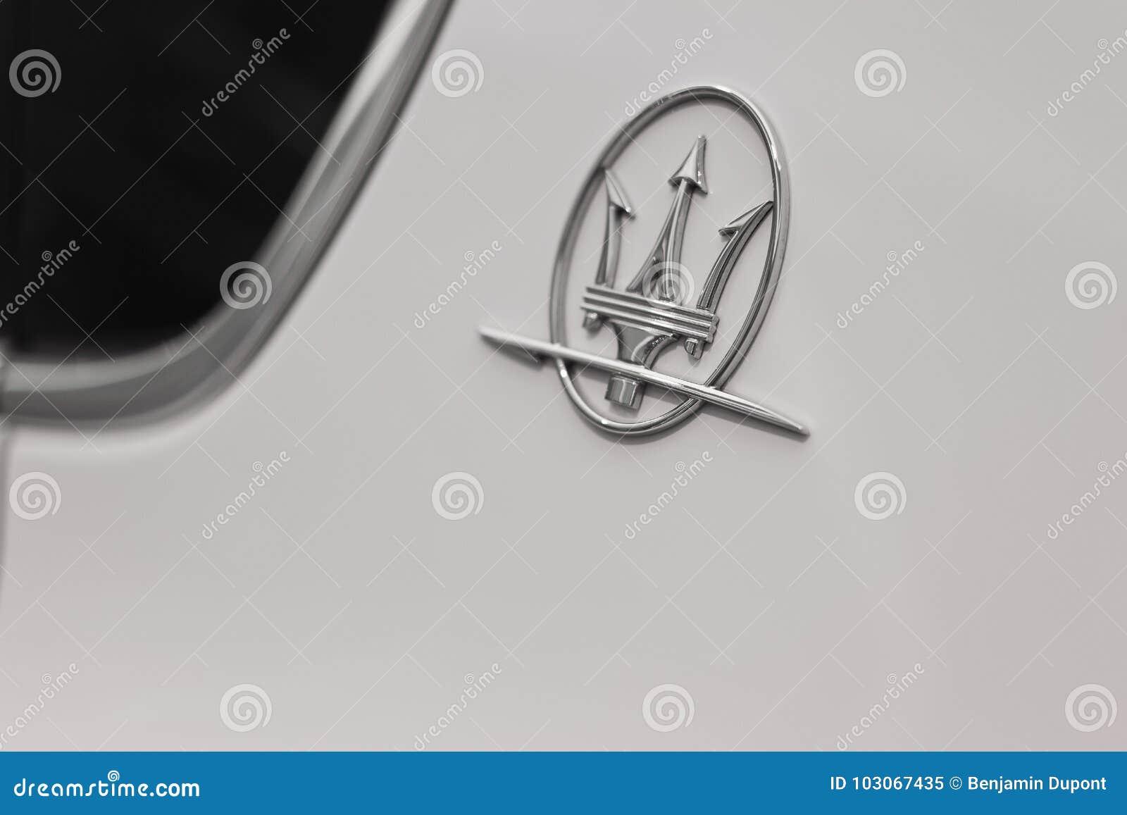 White Maserati Quattroporte Editorial Image Image Of Drive Model