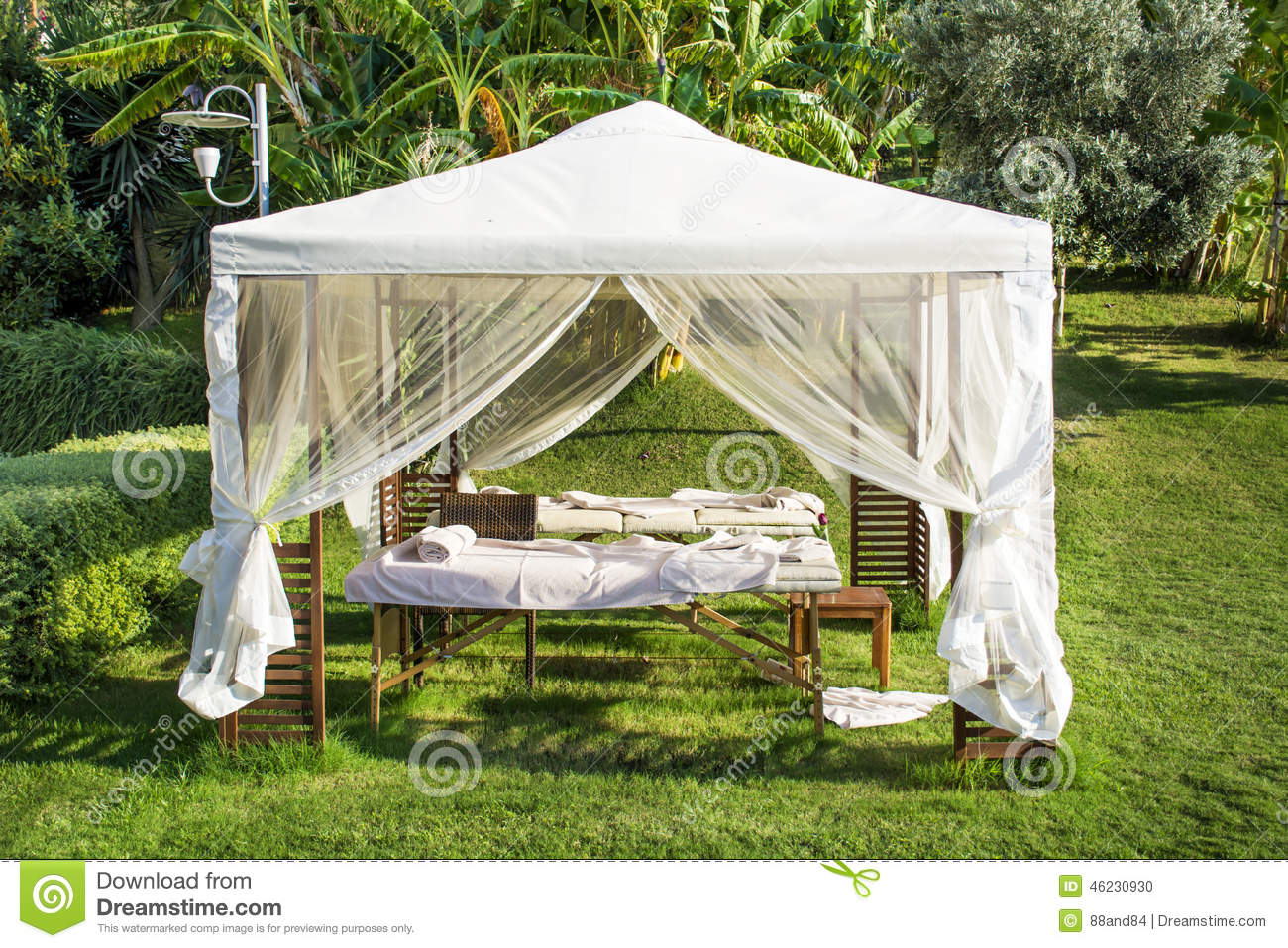 White spa tent under a green palm trees & White Massage Tent Under A Green Palm Trees Stock Photo - Image of ...