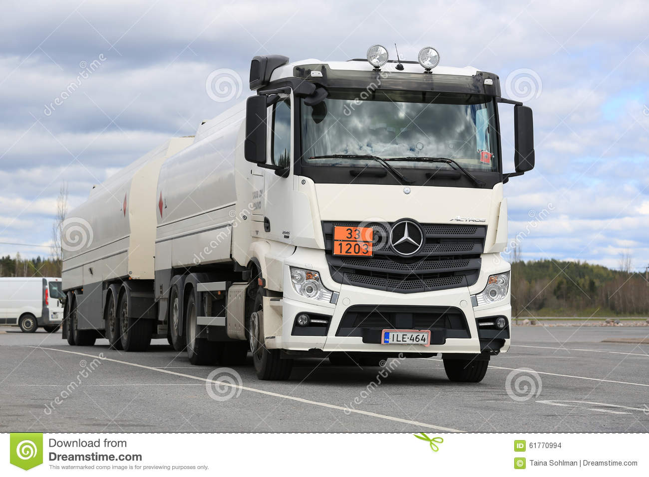 White mercedes benz actros 2545 tank truck parked for White mercedes benz truck