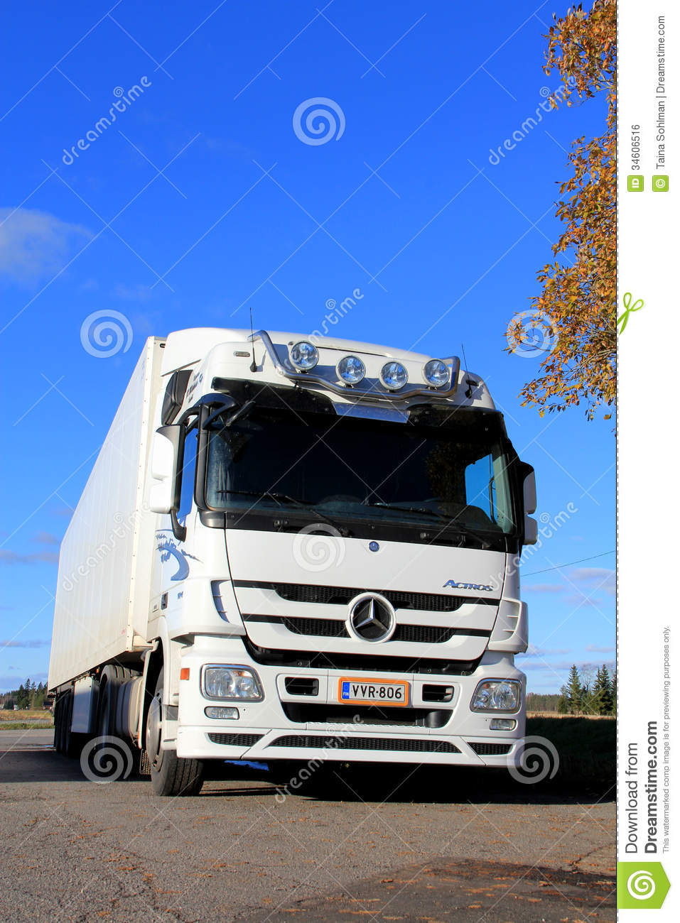 White mercedes benz actros truck on a clear autumn day for White mercedes benz truck