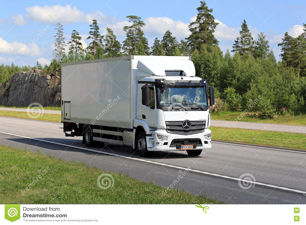 White Mercedes Truck Photos. Service Manual ...
