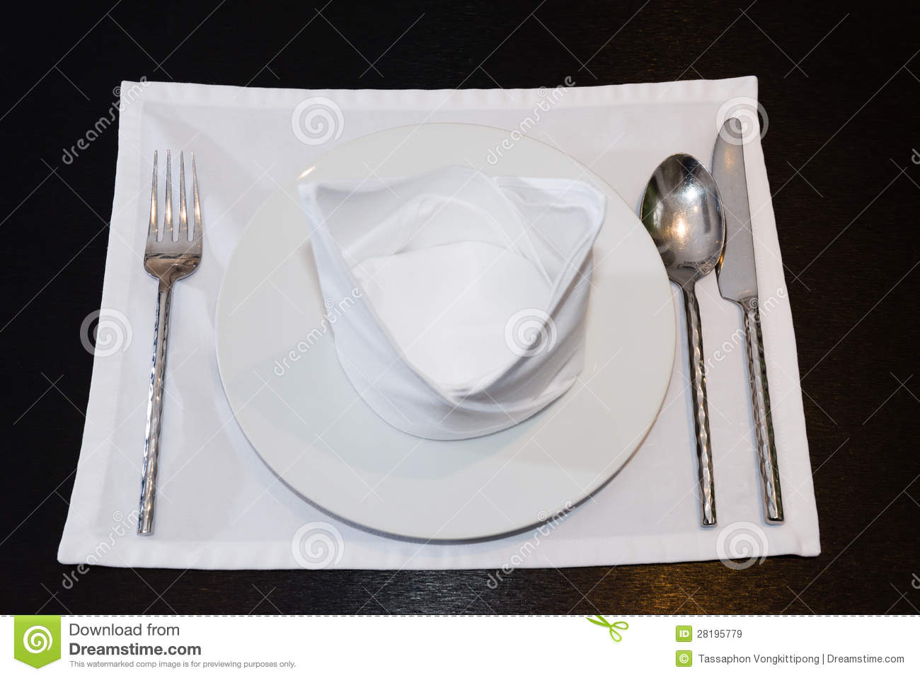 how to set a table with silverware and napkins