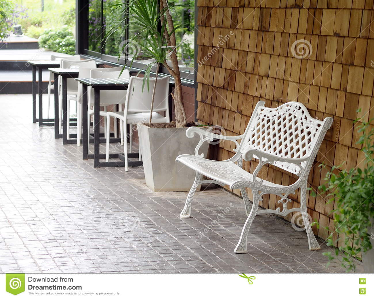 Amazing White Painted Outdoor Metal Iron Bench Vintage Retro Style Theyellowbook Wood Chair Design Ideas Theyellowbookinfo