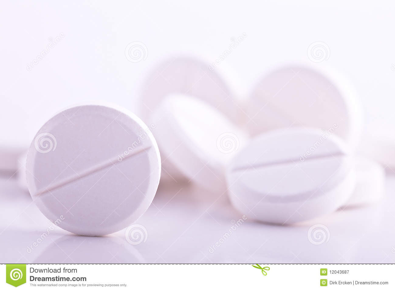 The Effects of Aspirin and Acetaminophen on the Stomach in Healthy Volunteers