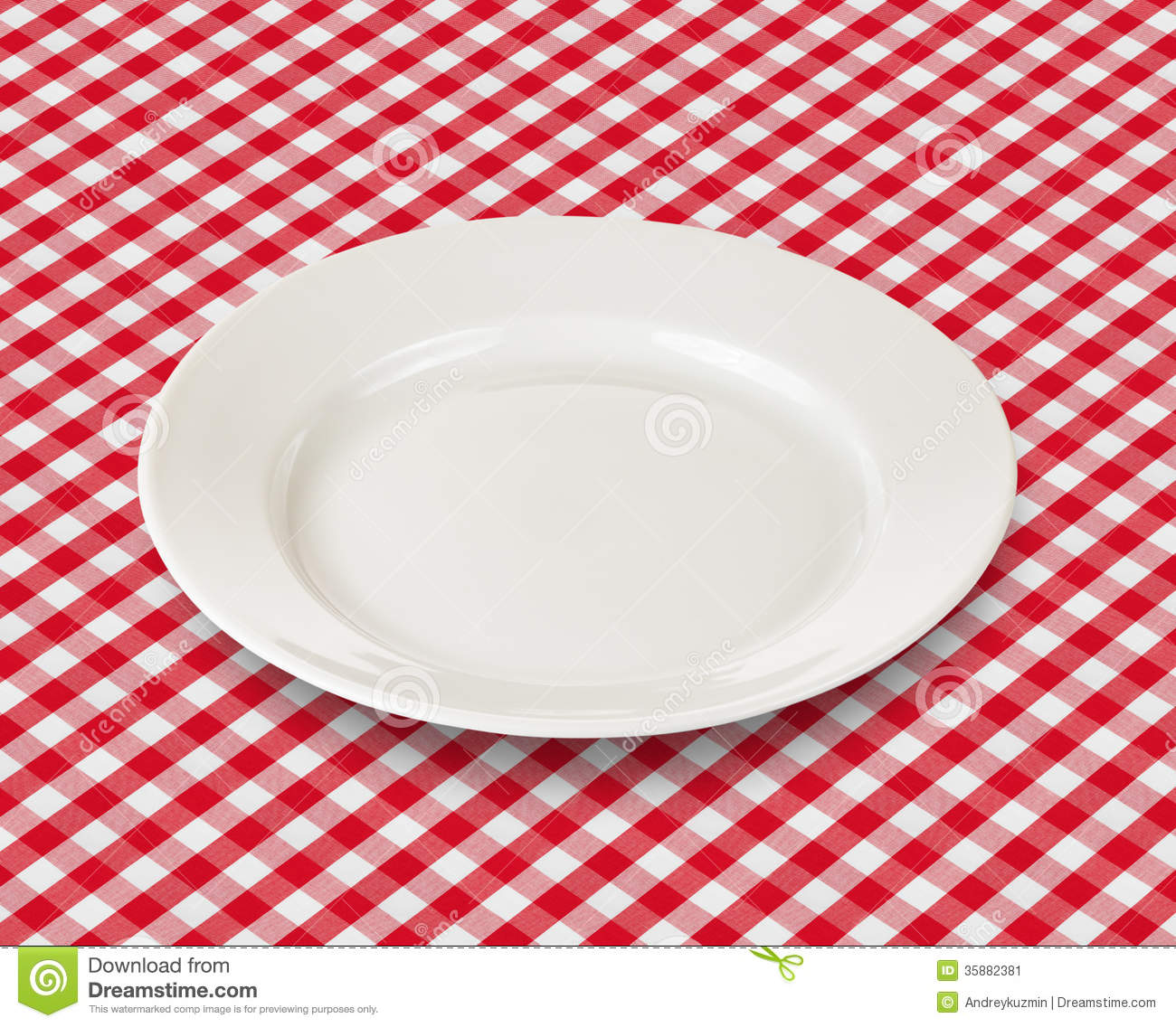 White Plate Over Red Picnic Tablecloth Stock Image - Image ...