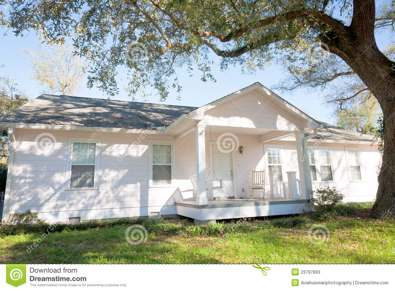 White Ranch Style Home Stock Image Image Of Flowers 23797893