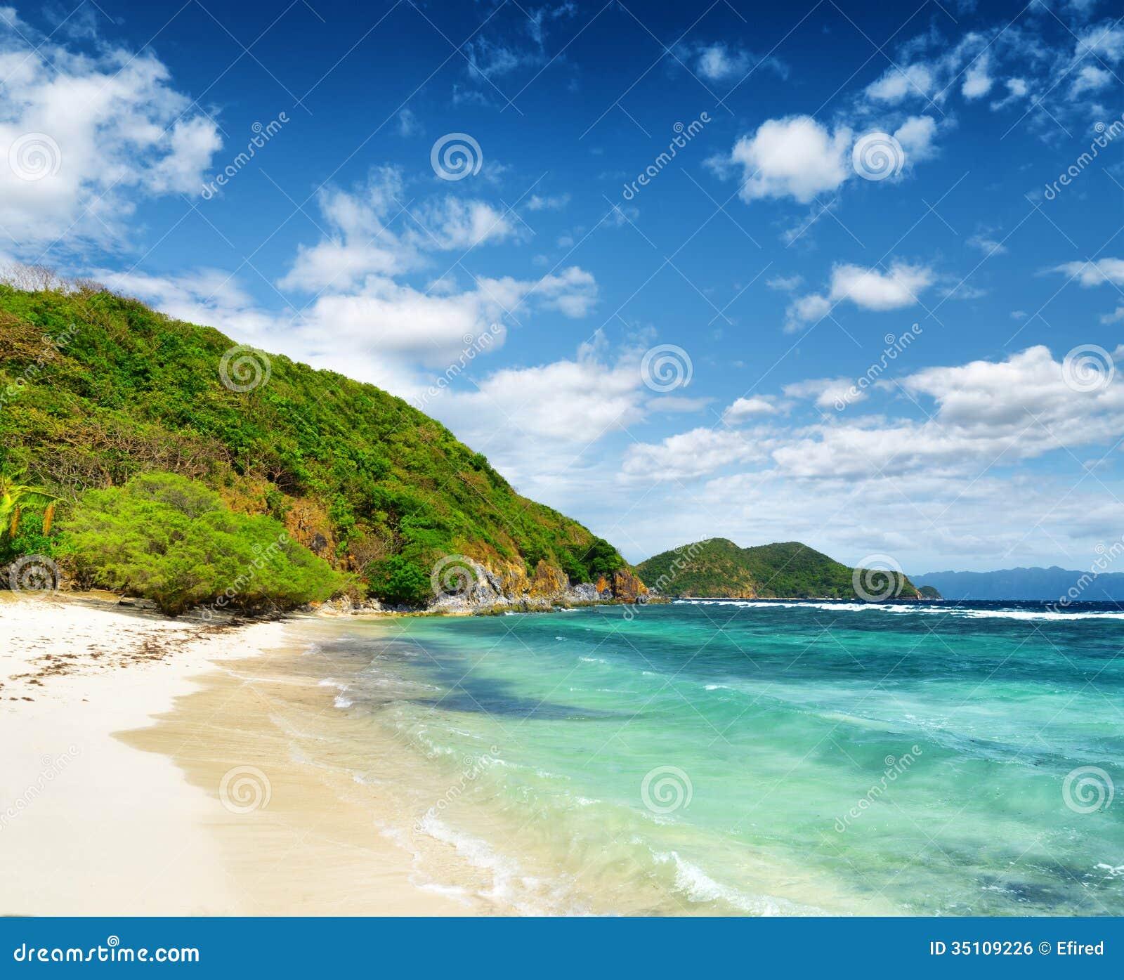 Beach Island: White Sand Beach. Malcapuya Island, Philippines Stock