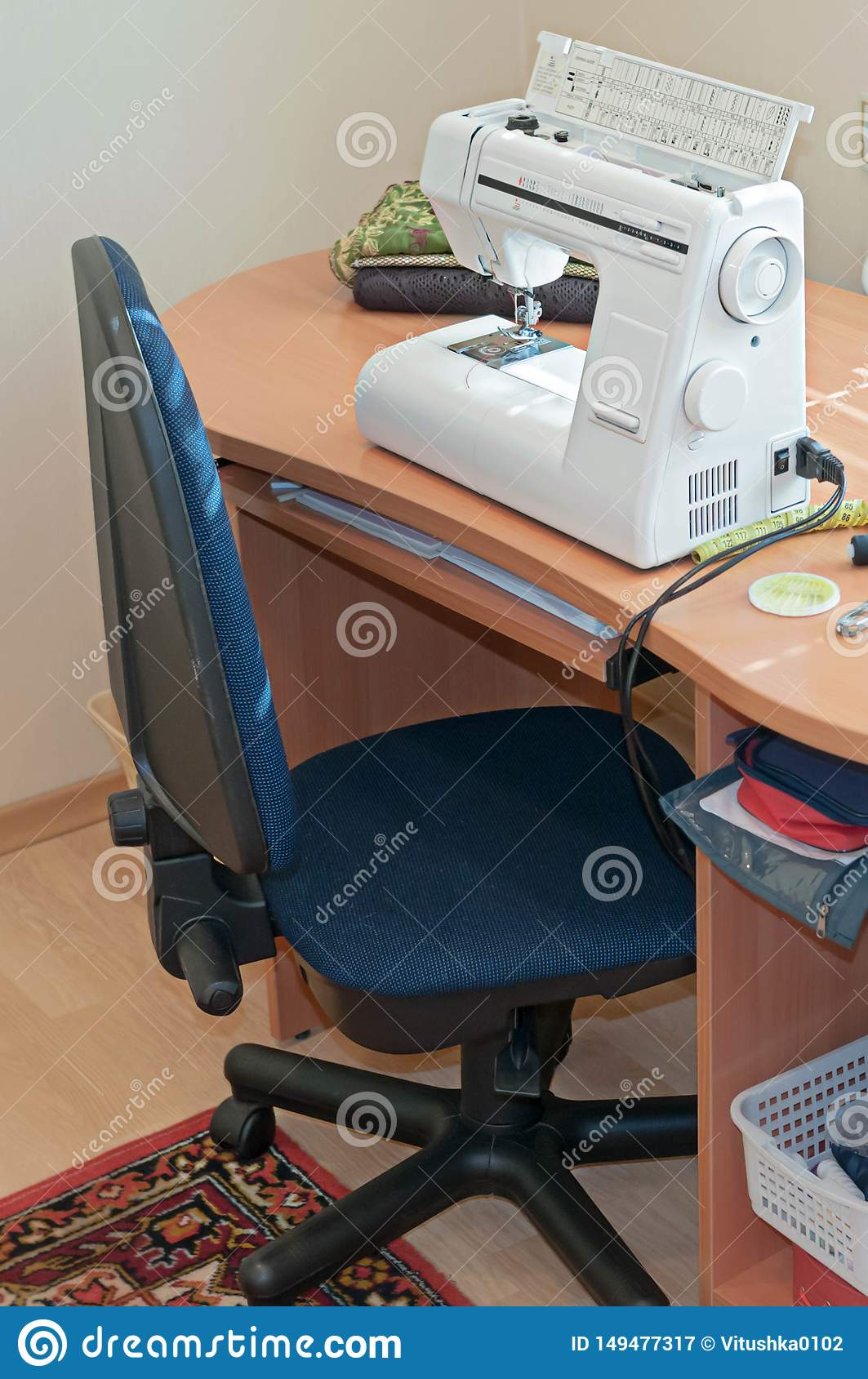 Groovy White Sewing Machine On Wooden Desktop Stock Image Image Theyellowbook Wood Chair Design Ideas Theyellowbookinfo