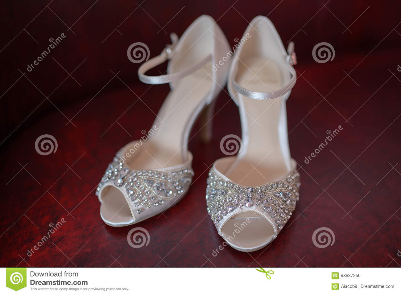 b2d870ed556 White Silk Bridal Peep Toe Shoes With Rhinestones And Delicate Beads ...