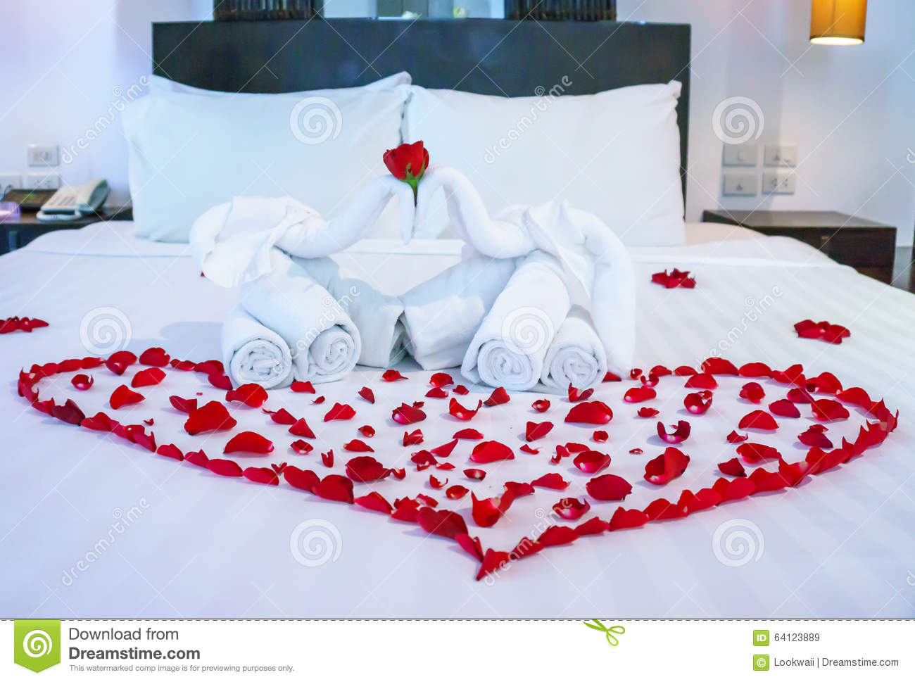 White Towel In Elephant Shape On White Bed Stock Image Image Of Fabric Heart 64123889