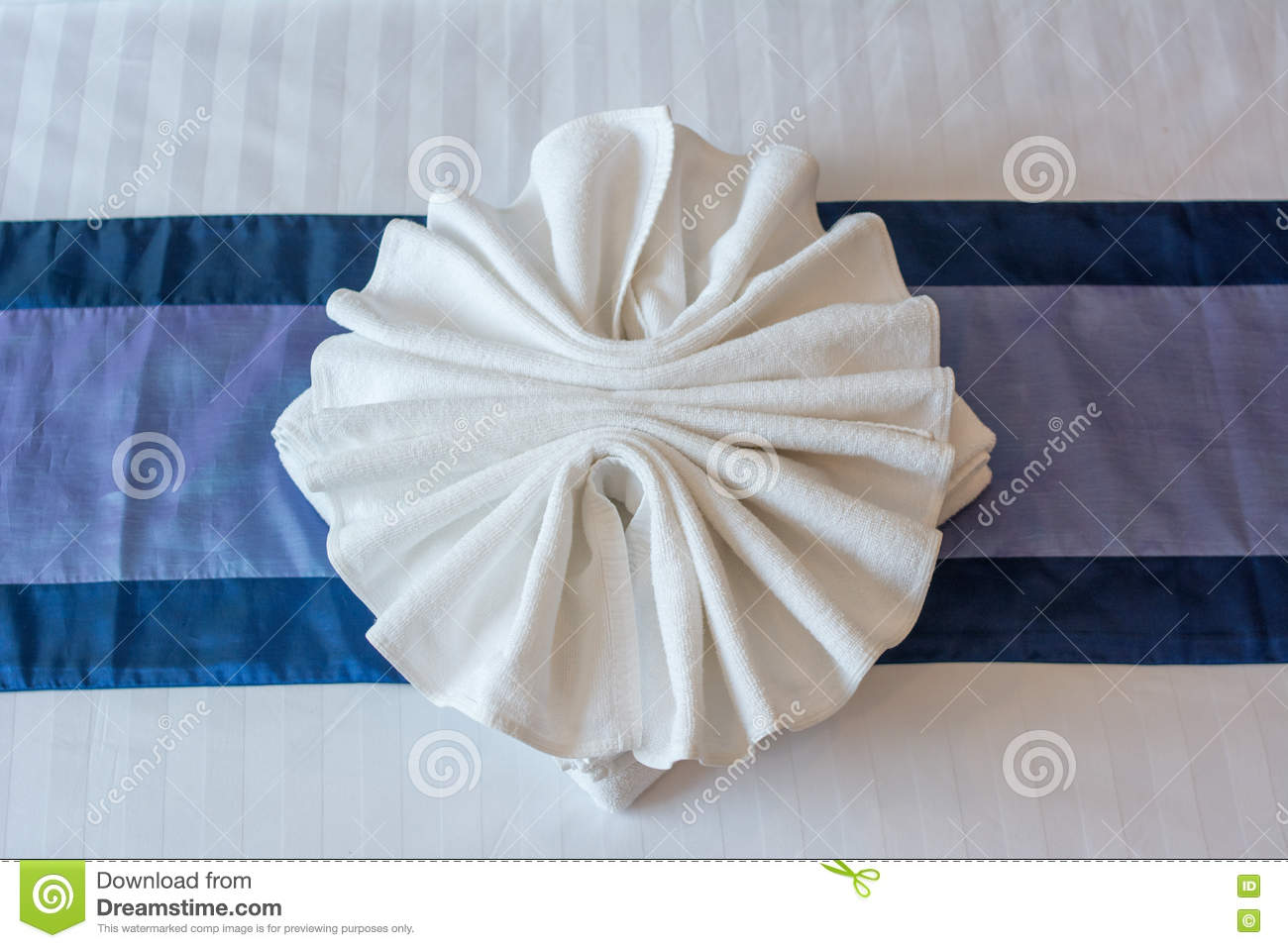 Bed sheets designs white - White Towels Design On Bed Sheet