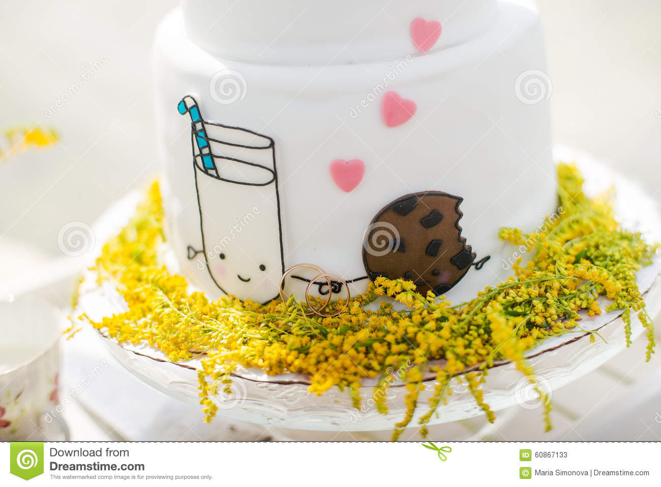 White Wedding Cake With Gold Rings Stock Image - Image of dance ...