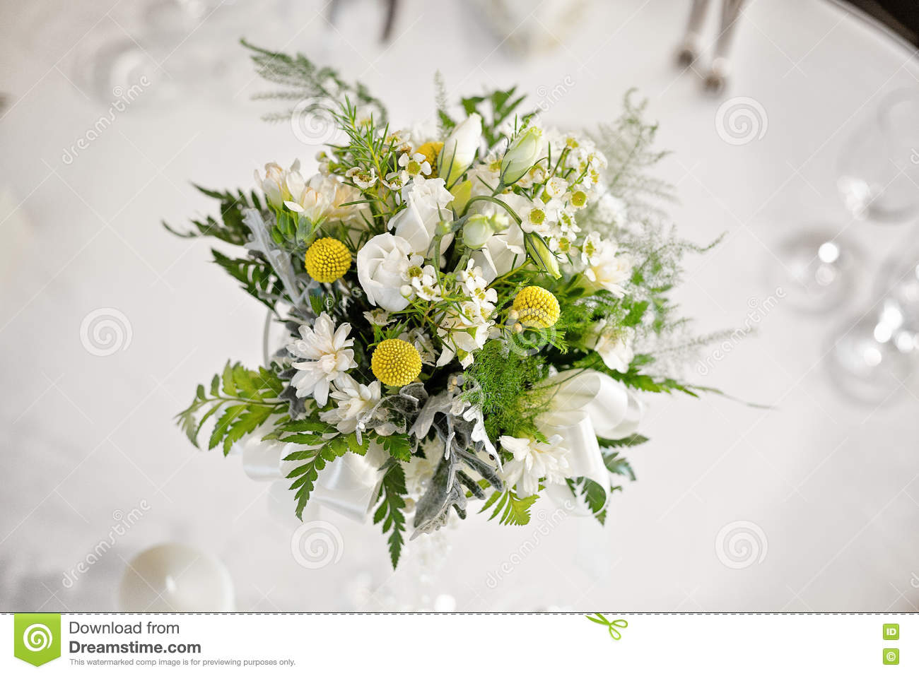White Wedding Table Flower Center Piece Stock Photo - Image of cloth ...