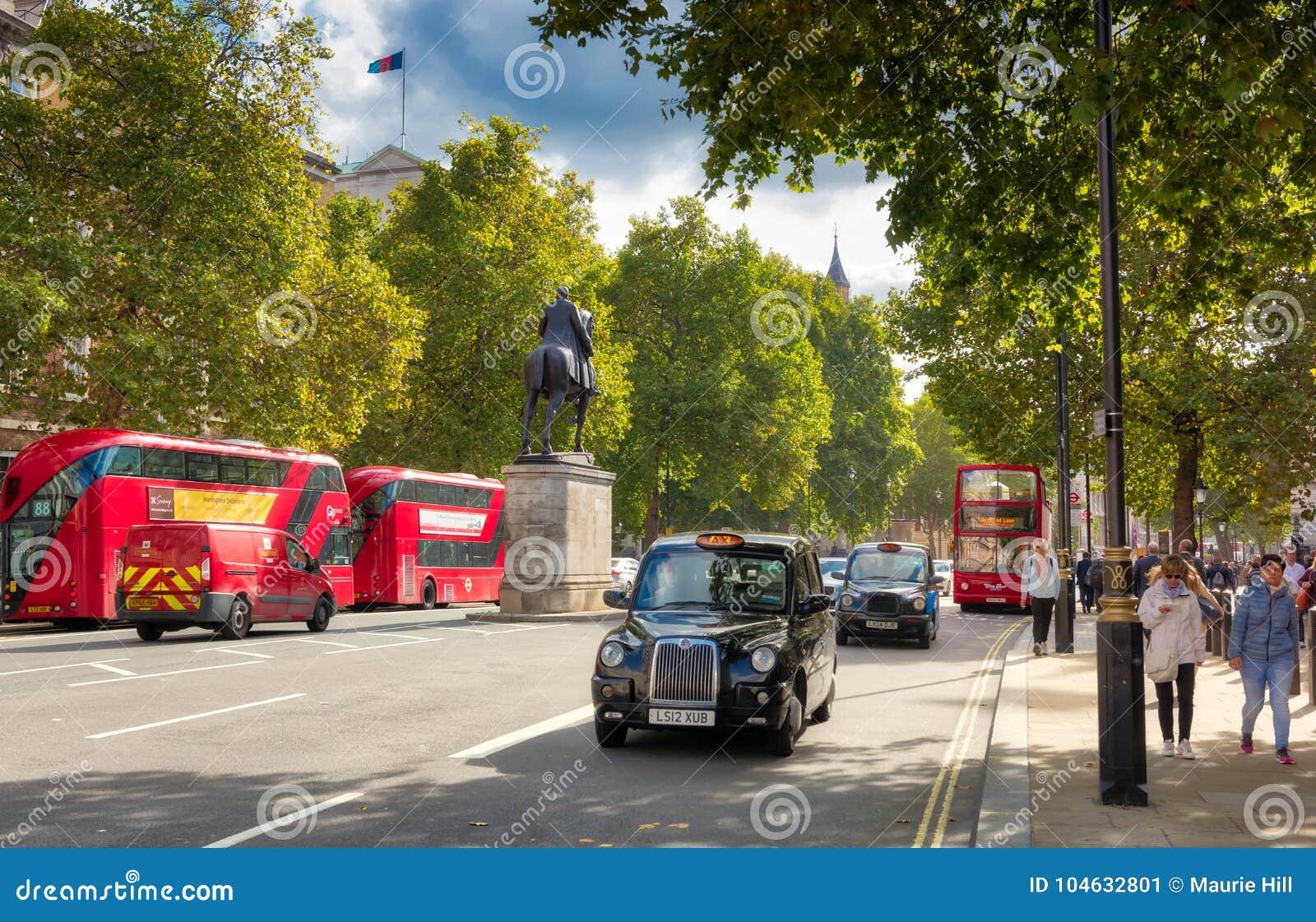 Download Whitehall, Het Parlement Straat Londen Redactionele Foto - Afbeelding bestaande uit covent, wijzerplaten: 104632801