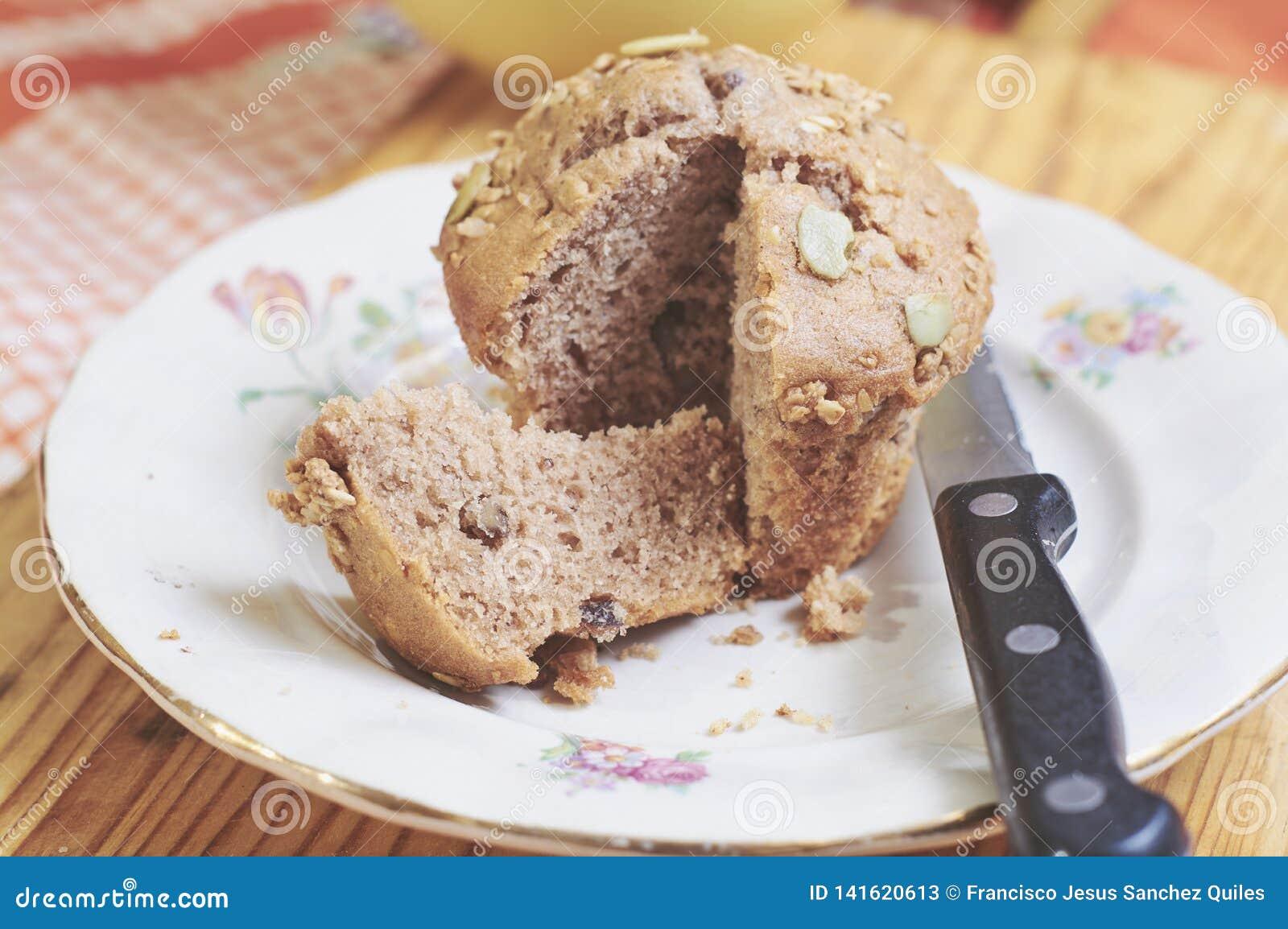 Whole-grain kaneel en appelmuffins met zaden